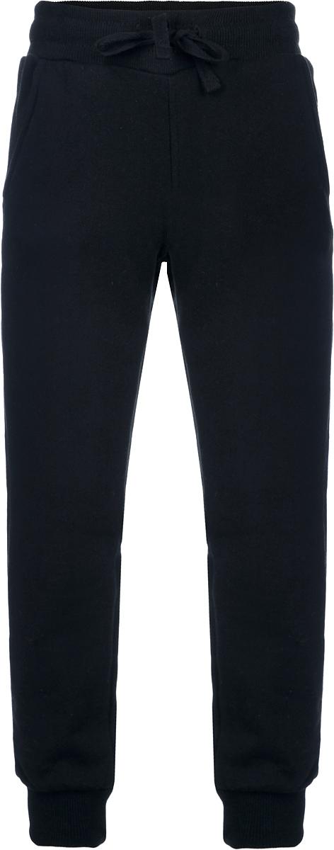 116BBBB5605Спортивные брюки для мальчика Button Blue идеально подойдут вашему маленькому моднику для отдыха и прогулок. Изготовленные из хлопка с добавлением полиэстера и эластана, они мягкие и приятные на ощупь, не сковывают движения ребенка и позволяют коже дышать, не раздражают даже самую нежную и чувствительную кожу, обеспечивая наибольший комфорт. Лицевая сторона гладкая, а изнаночная - с небольшими петельками. Брюки на талии имеют широкую трикотажную резинку, регулируемую шнурком, благодаря чему они не сдавливают животик ребенка и не сползают. Спереди предусмотрены два втачных кармана. Низ брючин дополнен широкими трикотажными манжетами. Современный дизайн и расцветка делают эти брюки стильной и практичной моделью детского гардероба. И дома, и на прогулке ребенку в них будет уютно и комфортно.