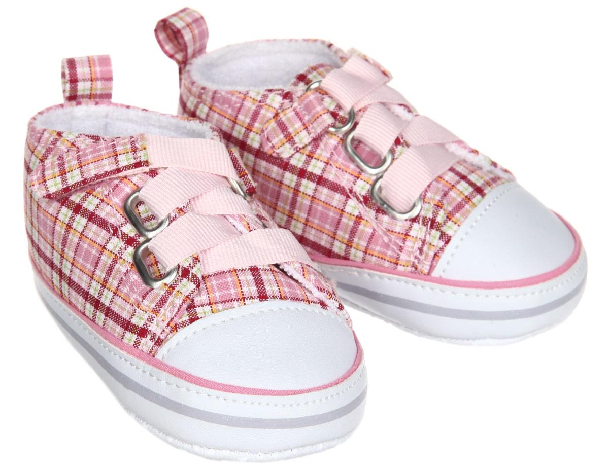 Пинетки для девочки Сникерсы. 1112411124Пинетки для девочки Luvable Friends Сникерсы, стилизованные под кеды, станут отличным дополнением к гардеробу малышки. Изделие выполнено из хлопка и полиэстера. Модель дополнена шнуровкой с удобной застежкой-липучкой, надежно фиксирующей пинетки на ножке ребенка. На стопе предусмотрен прорезиненный рельефный рисунок, благодаря которому ребенок не будет скользить. Изделие оформлено принтом в клетку, хорошо сочетающимся с разными видами одежды. Мягкие, не сдавливающие ножку материалы делают модель практичной и популярной. Такие пинетки - отличное решение для малышей и их родителей!