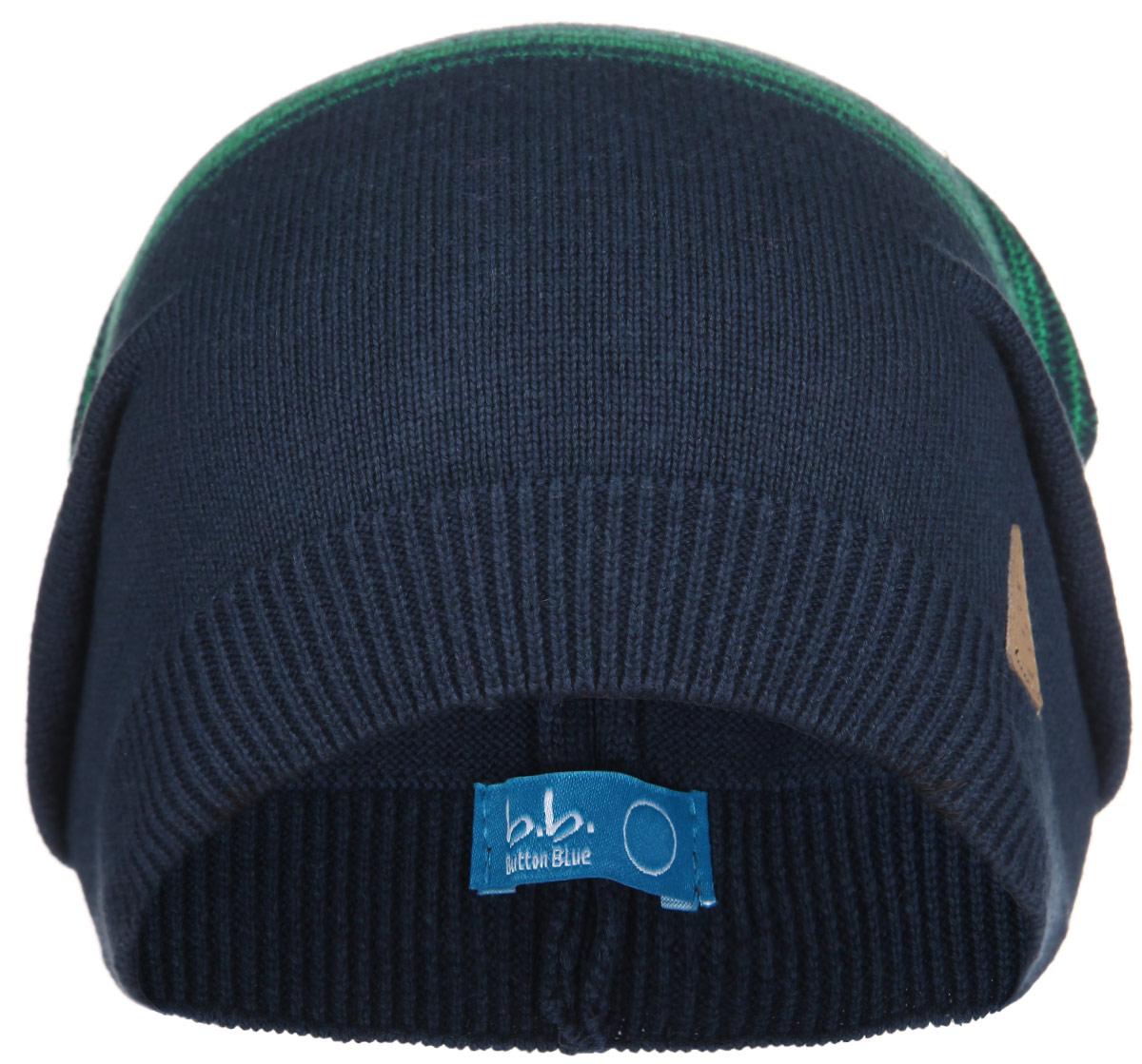Шапка для мальчика. 116BBBB7302116BBBB7302Стильная вязаная шапка для мальчика Button Blue идеально подойдет для прогулок в прохладное время года. Изготовленная из натурального хлопка, она обладает хорошими дышащими свойствами и надежно удерживает тепло. Шапка оформлена вязаными полосками и декорирована небольшой кожаной нашивкой. Понизу проходит широкая вязаная резинка. Такая шапка станет модным и стильным предметом детского гардероба. Она улучшит настроение даже в хмурые прохладные дни! Уважаемые клиенты! Размер, доступный для заказа, является обхватом головы ребенка.