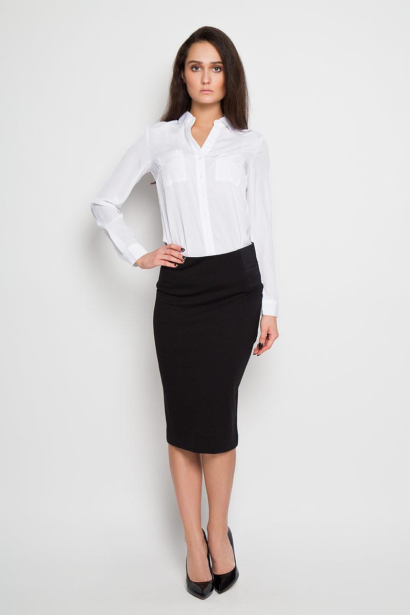 БлузкаB-112/1024-6171Стильная женская блуза Sela, выполненная из 100% полиэстера, подчеркнет ваш уникальный стиль и поможет создать оригинальный женственный образ. Модель классического кроя с отложным воротником застегивается на пуговицы. Длинные рукава блузки дополнены манжетами на пуговицах. Блузка дополнена двумя нагрудными карманами. Такая блузка идеально подойдет для жарких летних дней. Такая блузка будет дарить вам комфорт в течение всего дня и послужит замечательным дополнением к вашему гардеробу.