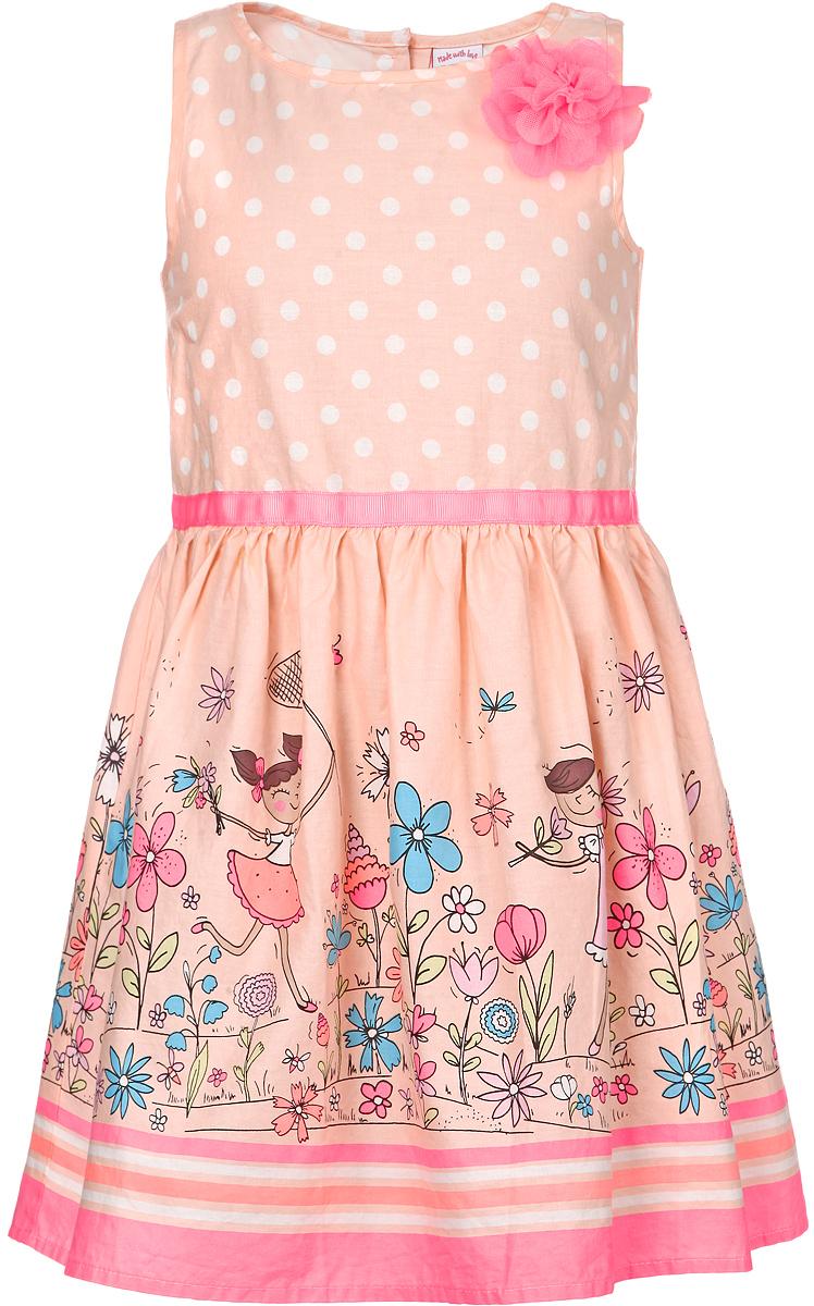 Платье для девочки. Dsl-517/089-6182Dsl-517/089-6182Красивое платье для девочки Sela станет отличным дополнением к гардеробу вашей маленькой модницы. Изготовленное из натурального хлопка, оно мягкое и приятное на ощупь, не сковывает движения и позволяет коже дышать, обеспечивая наибольший комфорт. Платье с круглым вырезом горловины застегивается сзади на пуговицы, что помогает при переодевании ребенка. От линии талии заложены складочки, придающие изделию пышность. Модель оформлена принтом в горох, а также изображением девочек и цветов. Изделие украшено декоративным элементом в виде яркого цветка из микросетки. В таком платье маленькая принцесса всегда будет в центре внимания!