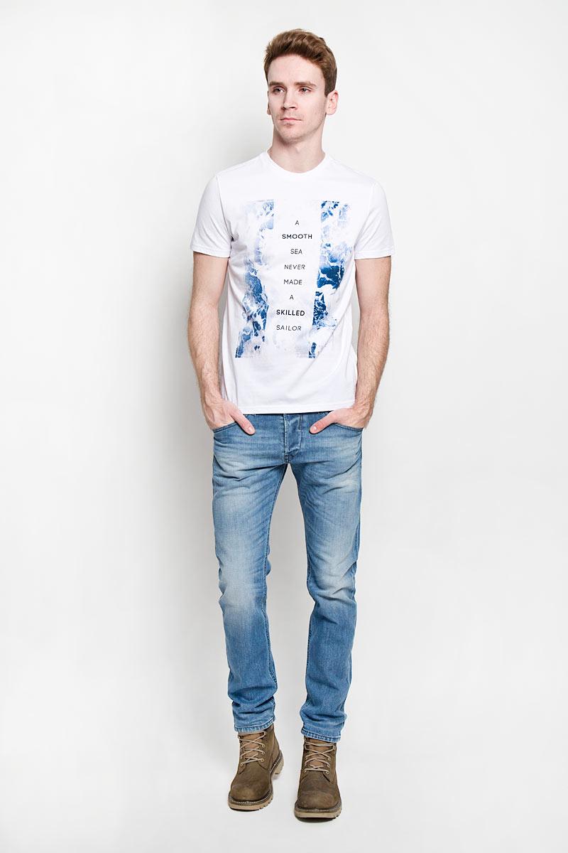 Футболка мужская. Ts-211/911-6172Ts-211/911-6172Стильная мужская футболка Sela, выполненная из 100% хлопка, обладает высокой теплопроводностью, воздухопроницаемостью и гигроскопичностью, позволяет коже дышать. Модель с короткими рукавами и круглым вырезом горловины - идеальный вариант для создания образа в стиле Casual. Футболка оформлена надписью A Smooth Sea Never Made a Skilled Sailor. Такая модель подарит вам комфорт в течение всего дня и послужит замечательным дополнением к вашему гардеробу.