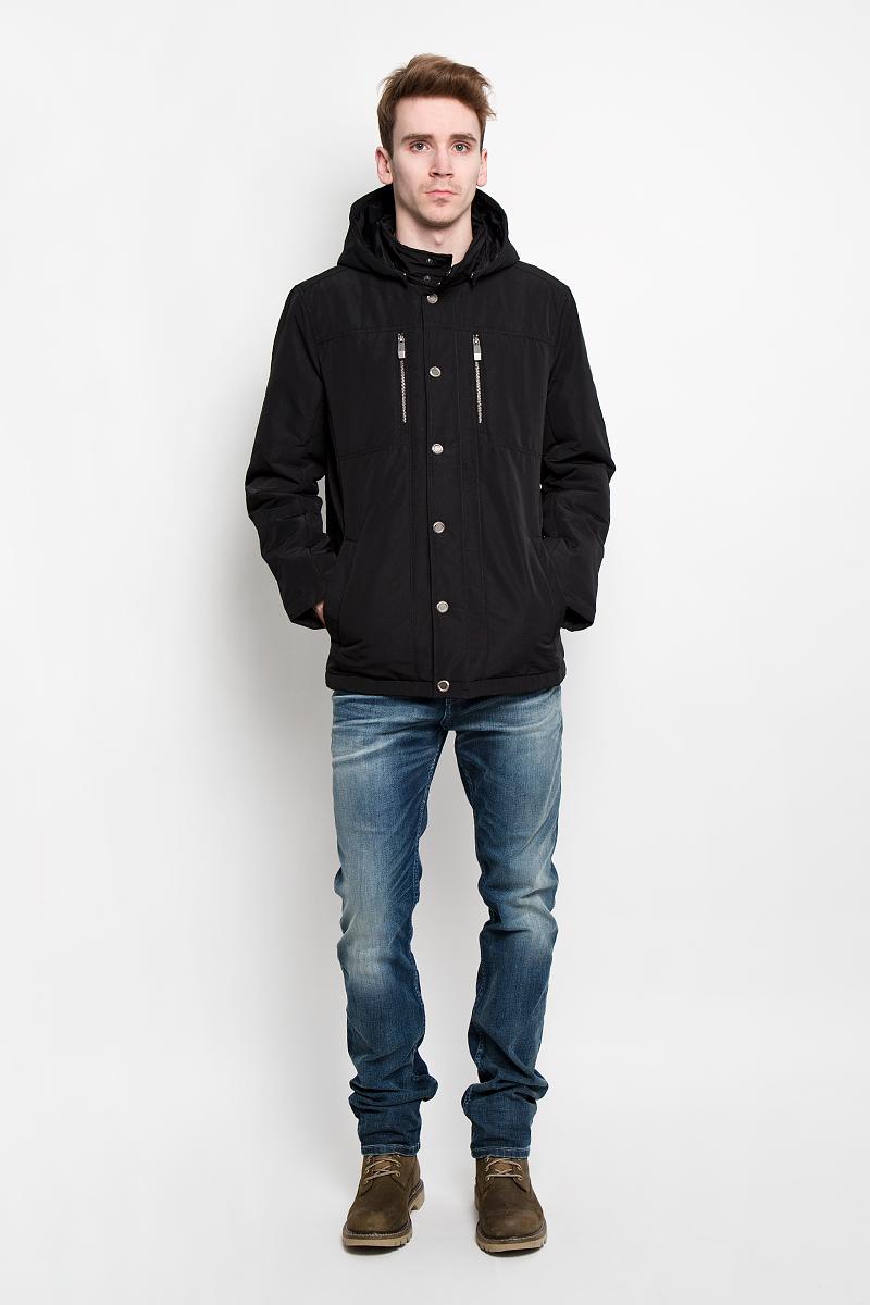 КурткаB16-21004Стильная легкая куртка Finn Flare подчеркнет ваш потрясающий вкус. Модель прямого кроя со съемным капюшоном застегивается ветрозащитным клапаном на кнопки. Капюшон съемный, крепится при помощи кнопок, оснащен кулиской со стопперами. Утеплитель - синтепон. Куртка дополнена двумя боковыми карманами на кнопках. Также есть два нагрудных кармана на застежках-молниях. С внутренней стороны куртки расположены три потайных кармана, один из которых на молнии, два других на пуговицах. Эта модная куртка послужит отличным дополнением к вашему гардеробу.
