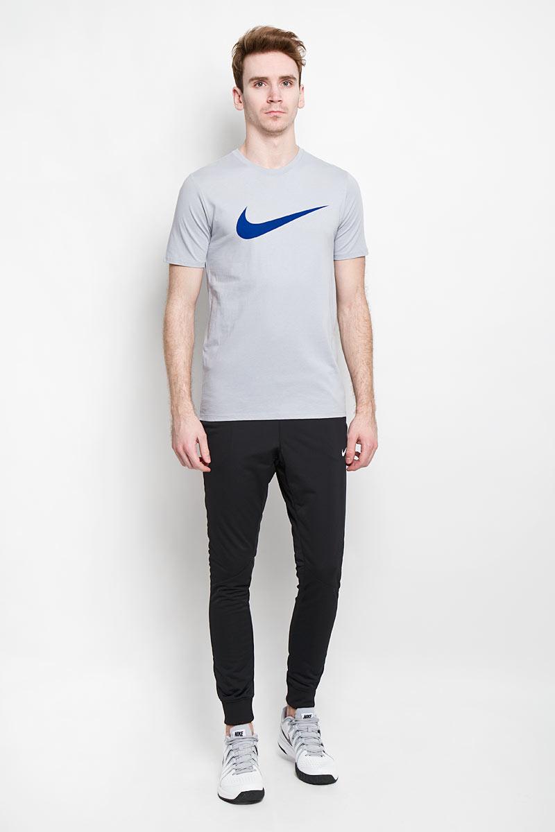 Футболка696699_012Мужская футболка Nike Tee-Chest Swoosh, выполненная из мягкого натурального материала, обеспечит комфорт на протяжении всей тренировки. 100% хлопок отлично впитывает влагу. Материал обладает высокими дышащими свойствами. На груди расположен логотип бренда. Классический спортивный стиль.
