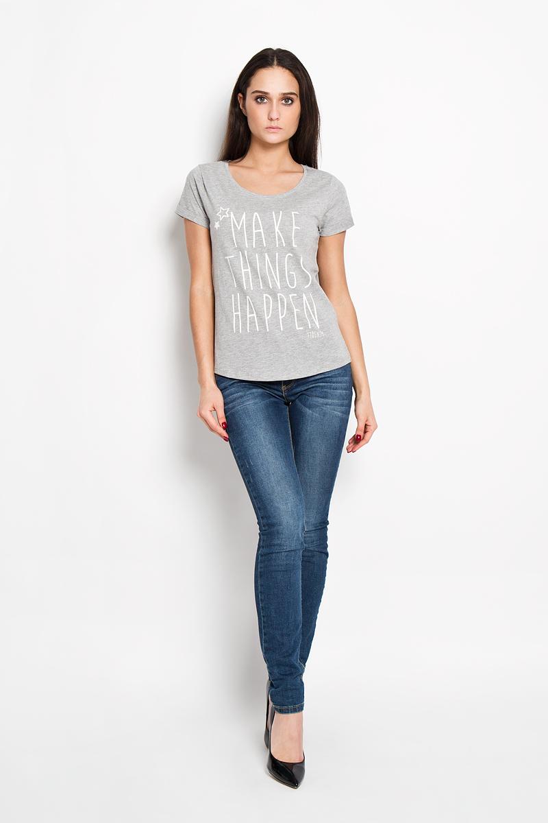 Футболка1033492.09.71Стильная женская футболка Tom Tailor Denim, выполненная из хлопка с добавлением вискозы, будет отлично на вас смотреться. Модель с круглым вырезом горловины и короткими рукавами оформлена оригинальными принтовыми надписями. Классический покрой, лаконичный дизайн, безукоризненное качество. Идеальный вариант для тех, кто ценит комфорт и качество.
