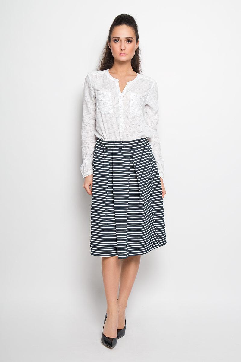 Юбка5513130.00.71Стильная юбка Tom Tailor Denim, выполненная из высококачественных материалов, приятная на ощупь, не сковывает движения, обеспечивая наибольший комфорт. Миди-юбка в поясе дополнена резинкой. Модель с двумя врезными карманами и принтом в полоску. Эта модная юбка станет отличным дополнением к вашему гардеробу.