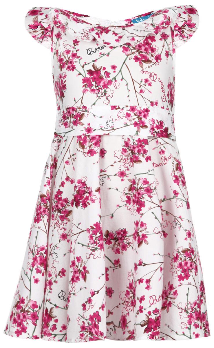 Платье116BBGM2507Яркое платье для девочки Button Blue станет отличным дополнением к гардеробу вашей маленькой модницы. Изготовленное из натурального хлопка, оно легкое и воздушное, приятное на ощупь, не сковывает движения и хорошо вентилируется. Платье с круглым вырезом горловины застегивается сзади на потайную молнию, что помогает при переодевании ребенка. На талии предусмотрены шлевки для пояса. Вырез горловины дополнен оборкой. Модель оформлена цветочным принтом, а также надписями, содержащими название бренда. В таком платье маленькая принцесса всегда будет в центре внимания! В комплект входит текстильный поясок в тон к платью.