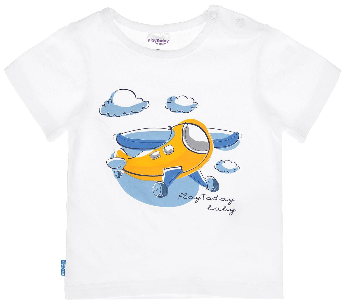 Футболка для мальчика Baby. 167020167020Футболка для мальчика PlayToday Baby станет отличным дополнением к детскому гардеробу. Модель выполнена из эластичного хлопка, очень мягкая и приятная на ощупь, не сковывает движения и позволяет коже дышать, обеспечивая наибольший комфорт. Футболка с круглым вырезом горловины и короткими рукавами застегивается на кнопки по плечевому шву, что помогает с легкостью переодеть ребенка. Оформлено изделие принтом с изображением самолетика и надписью, содержащей название бренда. Дизайн и расцветка делают эту футболку стильным и модным предметом детской одежды. В ней ваш ребенок всегда будет в центре внимания!
