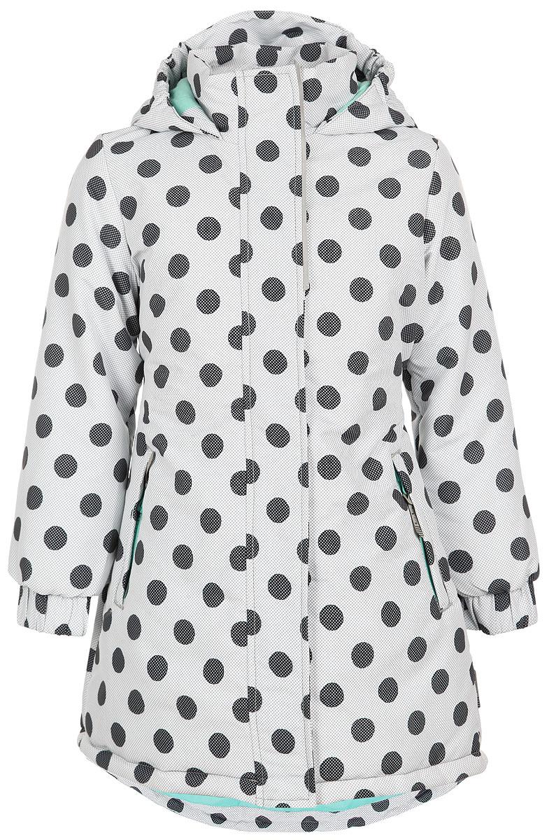 Куртка116BBGB4502Стильная куртка для девочки Button Blue Active, изготовленная из водонепроницаемой и ветрозащитной ткани, идеально подойдет ребенку для активного отдыха. Грязеотталкивающее покрытие повышает износостойкость модели, что обеспечивает ей отличный внешний вид на всем протяжении носки. Материал обладает антиаллергенными свойствами, хорошей воздухопроводимостью. В качестве утеплителя используется полиэстер, который максимально сохраняет тепло. Удлиненная куртка с капюшоном и воротником-стойкой застегивается на пластиковую молнию с защитой подбородка и дополнительно имеет внешнюю ветрозащитную планку на липучках и кнопках. Капюшон не отстегивается, присборен по краям на эластичные резинки. Спереди расположены два прорезных кармана на застежках-молниях. Манжеты на рукавах дополнены широкими эластичными резинками. На талии по спинке предусмотрена вшитая широкая эластичная резинка. Спинка модели удлинена. Имеются светоотражающие элементы для безопасности ребенка в темное...