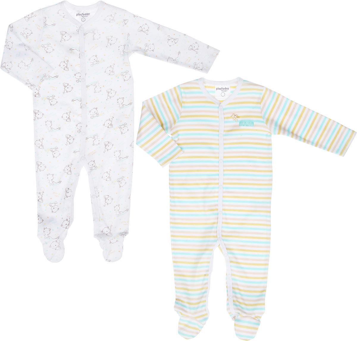 Комбинезон для мальчика Baby, 2 шт. 167853167853Комбинезон для мальчика PlayToday Baby идеально подойдет вашему малышу. Изготовленный из высококачественного материала, он необычайно мягкий и приятный на ощупь, не сковывает движения и позволяет коже дышать, не раздражает даже самую нежную и чувствительную кожу ребенка, обеспечивая ему наибольший комфорт. Комбинезон с длинными рукавами, закрытыми ножками и V-образным вырезом горловины застегивается на металлические застежки-кнопки от выреза горловины до щиколоток, которые позволяют без труда переодеть ребенка или сменить подгузник. В комплект входят два комбинезона, один оформлен принтом в полоску и украшен небольшим декоративным элементом в виде фигурки медвежонка, а другой - принтом с изображением медвежонка по всей поверхности. Современный дизайн и расцветка делают эти комбинезоны незаменимым предметом детского гардероба. В них вашему маленькому мужчине будет комфортно и уютно, и он всегда будет в центре внимания!