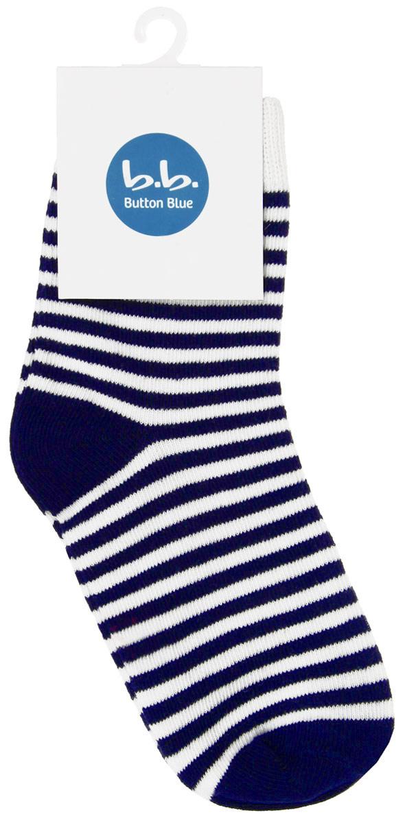 Носки для мальчика. 116BBBB8501116BBBB8501Стильные носки для мальчика Button Blue, изготовленные из высококачественного эластичного хлопка с добавлением полиамида, идеально подойдут вашей малышке. Такие носки превосходно тянутся, а полиамид в составе обеспечивает дополнительную прочность и износостойкость. Эластичная резинка плотно облегает ножку ребенка, не сдавливая ее, благодаря чему малышу будет комфортно и удобно. Усиленная пятка и мысок обеспечивают надежность и долговечность. Носки оформлены принтом в полоску.