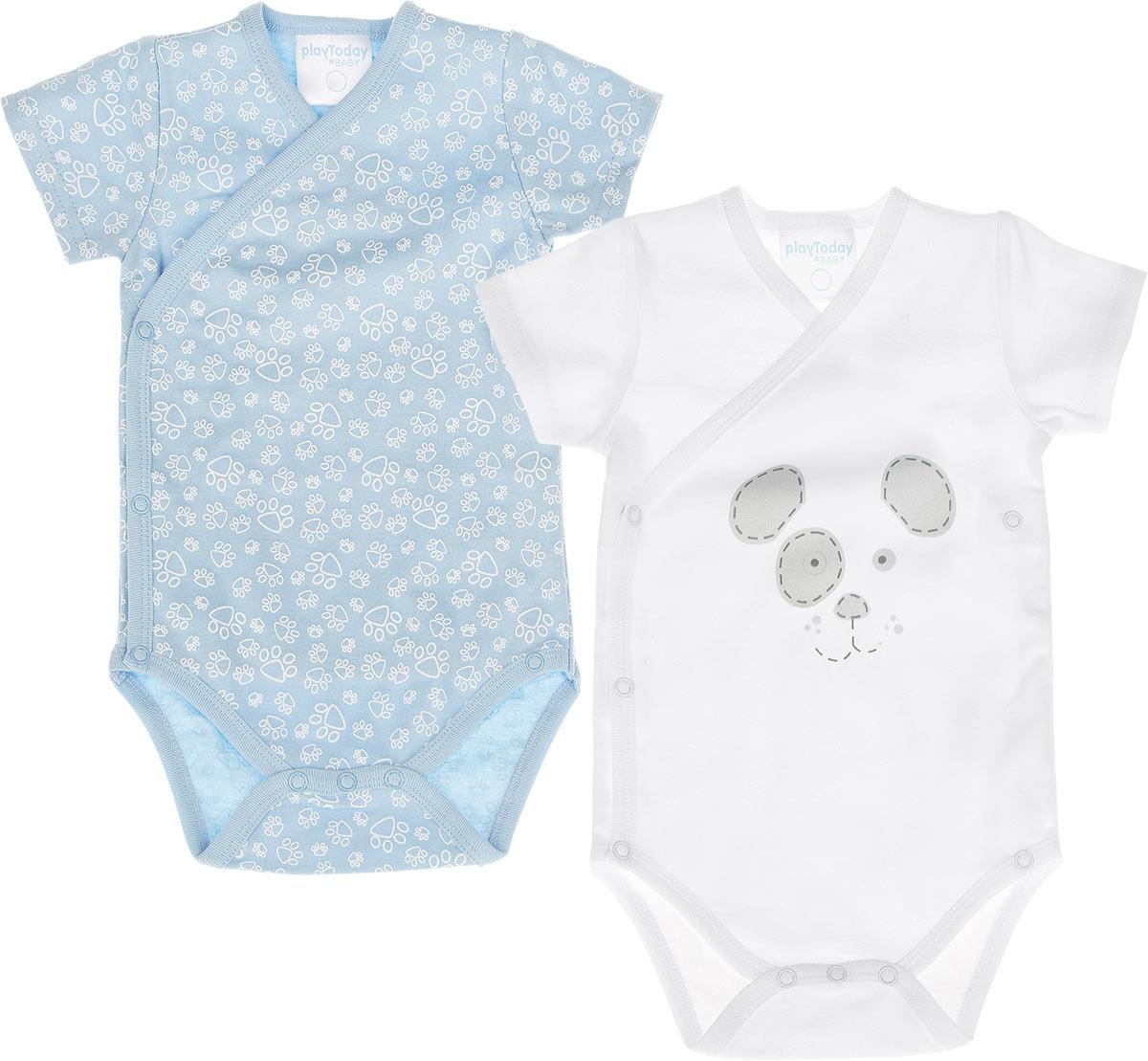 Боди-кимоно для мальчика, 2 шт. 357813357813Боди-кимоно для мальчика PlayToday Baby идеально подойдет вашему малышу. Изготовленное из натурального хлопка, оно необычайно мягкое и легкое, не раздражает нежную кожу ребенка и хорошо вентилируется, а эластичные швы приятны телу малыша и не препятствуют его движениям. Боди с короткими рукавами и V-образным вырезом горловины имеет удобные застежки-кнопки по принципу кимоно и кнопки на ластовице, которые помогают легко переодеть ребенка и сменить подгузник. В комплект входят два боди, одно из которых оформлено принтом с изображением мордочки песика, а второе - принтом с мелким изображением лап по всей поверхности. Боди полностью соответствуют особенностям жизни малыша в ранний период, не стесняя и не ограничивая его в движениях!