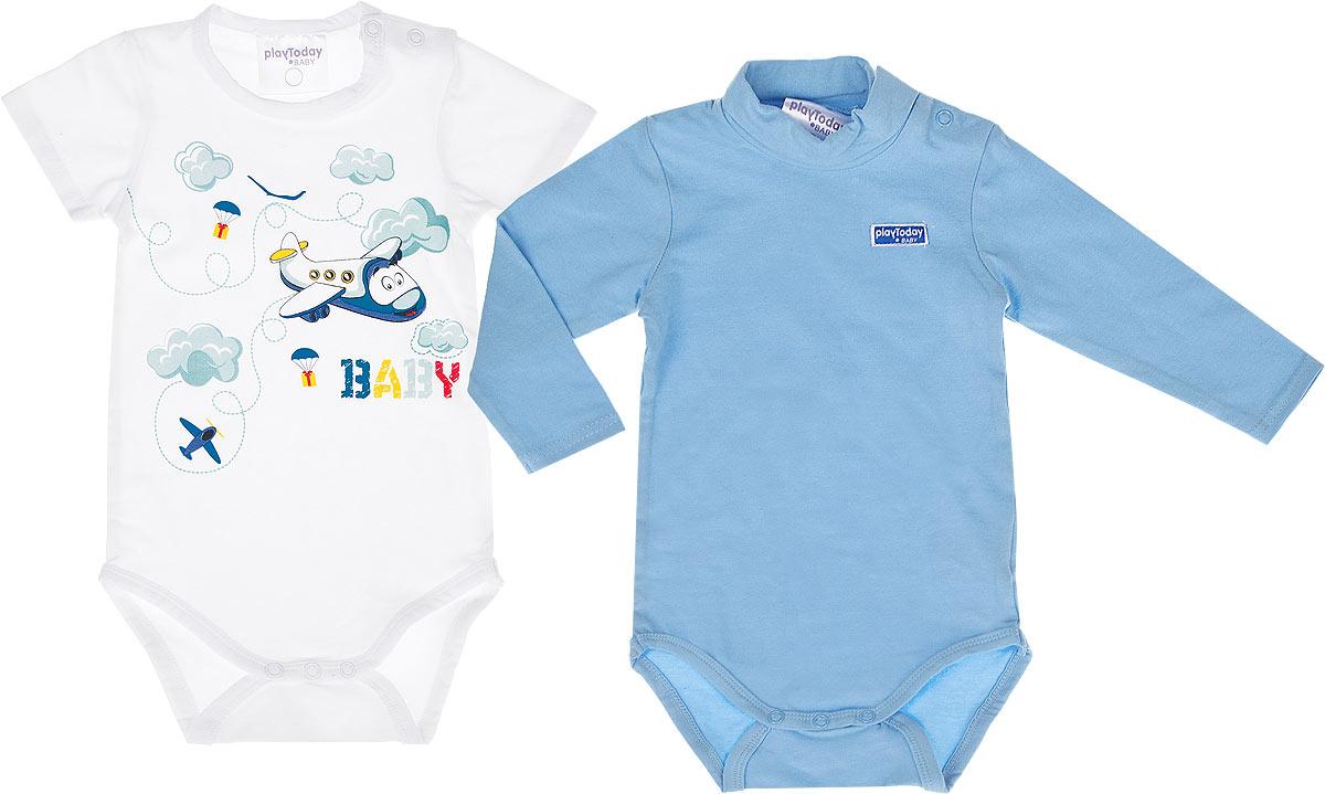 Боди для мальчика, 2 шт. 167017167017Боди для мальчика PlayToday Baby послужит идеальным дополнением к гардеробу вашего малыша, обеспечивая ему наибольший комфорт. Изготовленное из эластичного хлопка, оно необычайно мягкое и приятное на ощупь, не сковывает движения и позволяет коже дышать, не раздражает даже самую нежную и чувствительную кожу ребенка, обеспечивая ему наибольший комфорт. Боди с длинными рукавами и круглым вырезом горловины имеют кнопки на ластовице и плечах, что позволяет легко и быстро одеть малыша или поменять подгузник. В комплект входят два боди: одно с короткими рукавами и круглым вырезом горловины оформлено принтом с изображением самолетика, второе однотонное, с длинными рукавами и воротником-гольф. Боди полностью соответствует особенностям жизни ребенка в ранний период, не стесняя и не ограничивая его в движениях.
