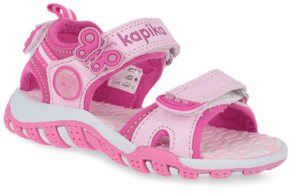 Сандалии для девочки. 8105381053-1Очаровательные сандалии от Kapika не оставят равнодушной вашу юную модницу! Модель изготовлена из искусственной кожи. Ремешки с застежками-липучками, украшенные декоративными нашивками прочно закрепят модель на ножке. Внутренняя поверхность выполнена из мягкого текстиля. Рельефная стелька из EVA комфортна при ходьбе. Пяточная часть оснащена регулируемым ремешком на застежке-липучке. Максимально комфортная подошва с протектором обеспечивает отличное сцепление с поверхностью. Практичные и стильные сандалии займут достойное место в гардеробе вашей малышки.