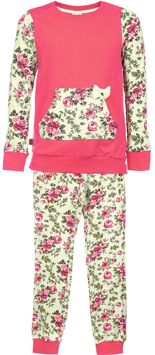 Пижама для девочки. AW15-UAT-GST-152AW15-UAT-GST-152Пижама для девочки KitFox, состоящая из футболки с длинным рукавом и брюк, идеально подойдет вашему ребенку. Пижама выполнена из хлопка c добавлением эластана, она очень мягкая и приятная на ощупь, не сковывает движения и позволяет коже дышать, не раздражает даже самую нежную и чувствительную кожу ребенка, обеспечивая ему наибольший комфорт. Футболка с длинными рукавами и круглым вырезом горловины оформлена оригинальным цветочным принтом и дополнена нашивным карманом- кенгуру, декорированным атласным бантом. Вырез горловины и манжеты на рукавах дополнены трикотажными эластичными резинками. Брюки на талии имеют эластичную резинку и текстильный шнурок, благодаря чему они не сдавливают животик ребенка и не сползают. Модель оформлена нежным цветочным принтом. Пижама станет отличным дополнением к детскому гардеробу. В ней ваш ребенок будет чувствовать себя комфортно и уютно во время сна.