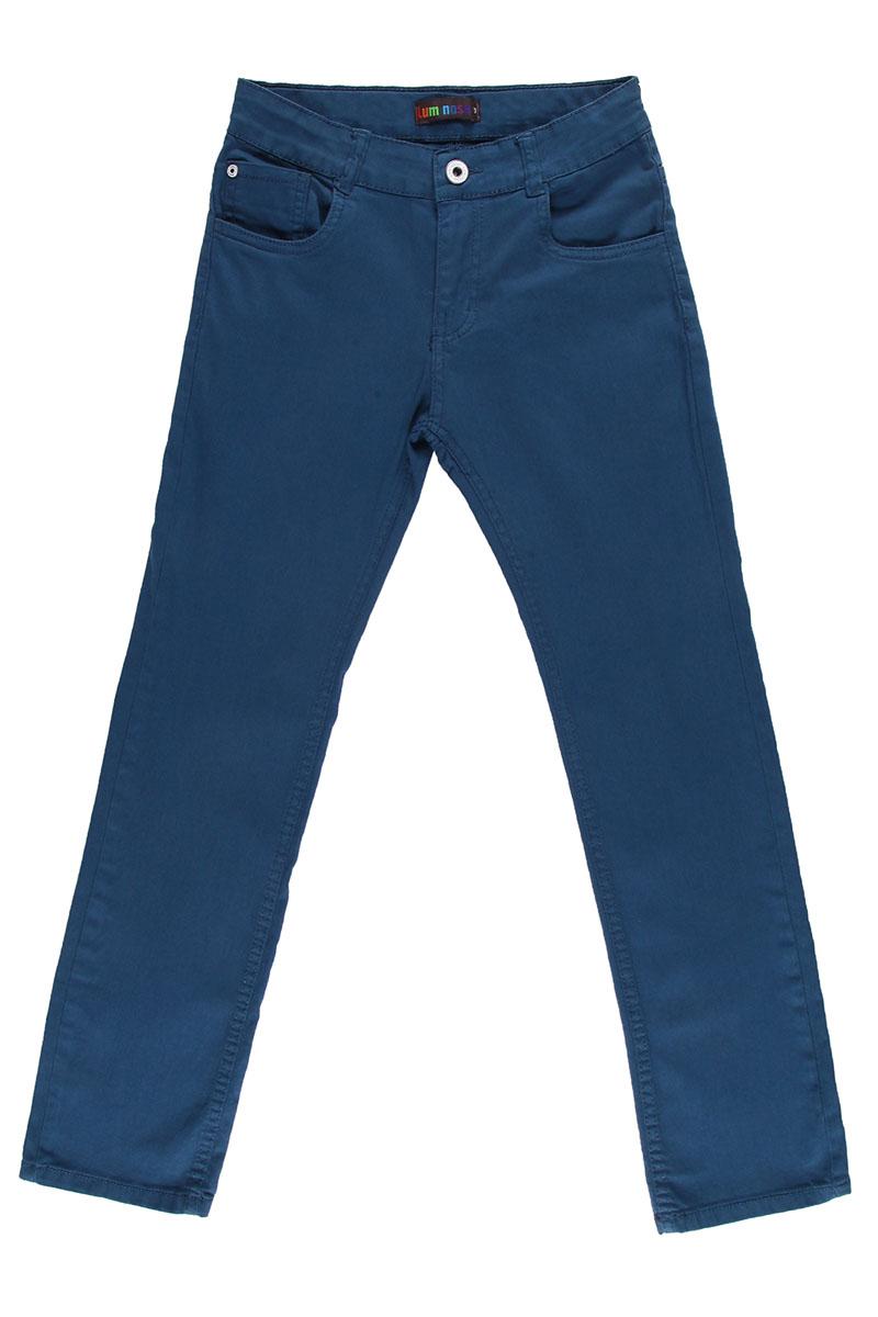 Брюки для мальчика. 196712196712Стильные брюки для мальчика Luminoso прекрасно подойдут вашему ребенку и станут отличным дополнением к летнему гардеробу. Изготовленные из эластичного хлопка, они мягкие и приятные на ощупь, не сковывают движения и позволяют коже дышать. Брюки на поясе застегиваются на металлическую пуговицу и имеют шлевки для ремня и ширинку на пластиковой застежке-молнии. При необходимости пояс можно утянуть скрытой резинкой на пуговицах. Спереди они дополнены двумя втачными карманами и накладным кармашком, а сзади - двумя накладными карманами. В таких брюках ваш ребенок будет чувствовать себя комфортно, уютно и всегда будет в центре внимания!