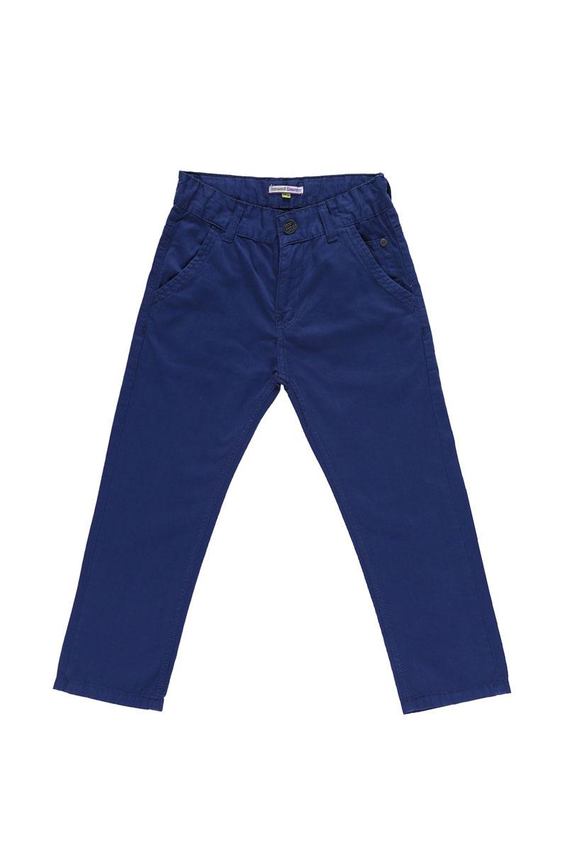 Брюки для мальчика. 196302196302Модные брюки для мальчика Sweet Berry идеально подойдут для отдыха и прогулок. Изготовленные из натурального хлопка, они мягкие и приятные на ощупь, позволяют коже дышать. Модель на талии застегивается на металлический крючок и имеет ширинку на застежке-молнии, а также шлевки для ремня. С внутренней стороны пояс регулируется скрытой резинкой на пуговицах. Спереди расположены два втачных кармана, сзади - два накладных. Изделие декорировано металлическими клепками, дополнено на поясе нашивкой. Современный дизайн и расцветка делают эти брюки стильным предметом детской одежды. Обладатель таких брюк всегда будет в центре внимания!