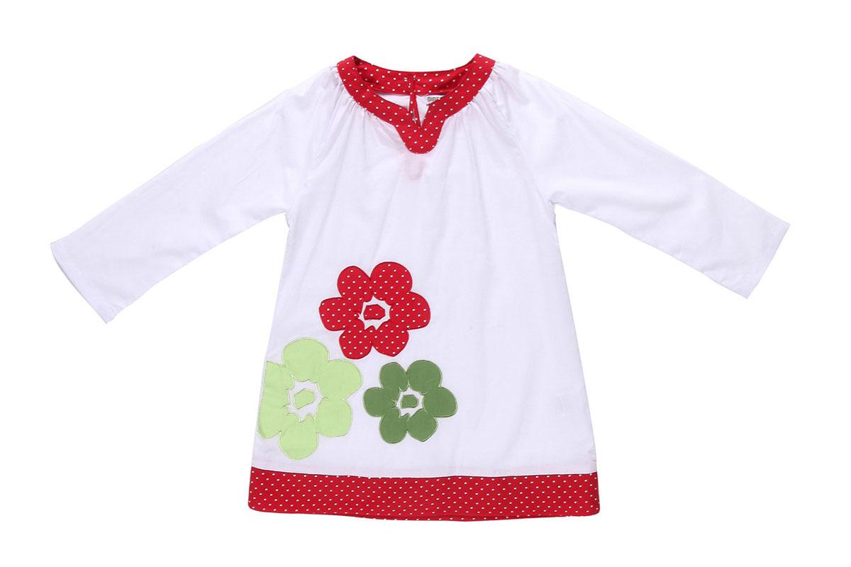 Платье для девочки. 195526195526Платье для девочки Sweet Berry станет отличным дополнением к детскому гардеробу. Платье изготовлено из натурального хлопка, оно очень тонкое и легкое, приятное к телу, не сковывает движения и хорошо пропускает воздух, обеспечивая комфорт. Платье с фигурным вырезом горловины и длинными рукавами-реглан застегивается по спинке на пуговицу, что помогает при переодевании ребенка. Модель свободного кроя присборена у горловины. Оформлено изделие принтом в мелкий горошек, украшено аппликацией в виде цветов. Легкое и комфортное платье идеально подойдет маленькой моднице, в нем ребенок всегда будет в центре внимания!