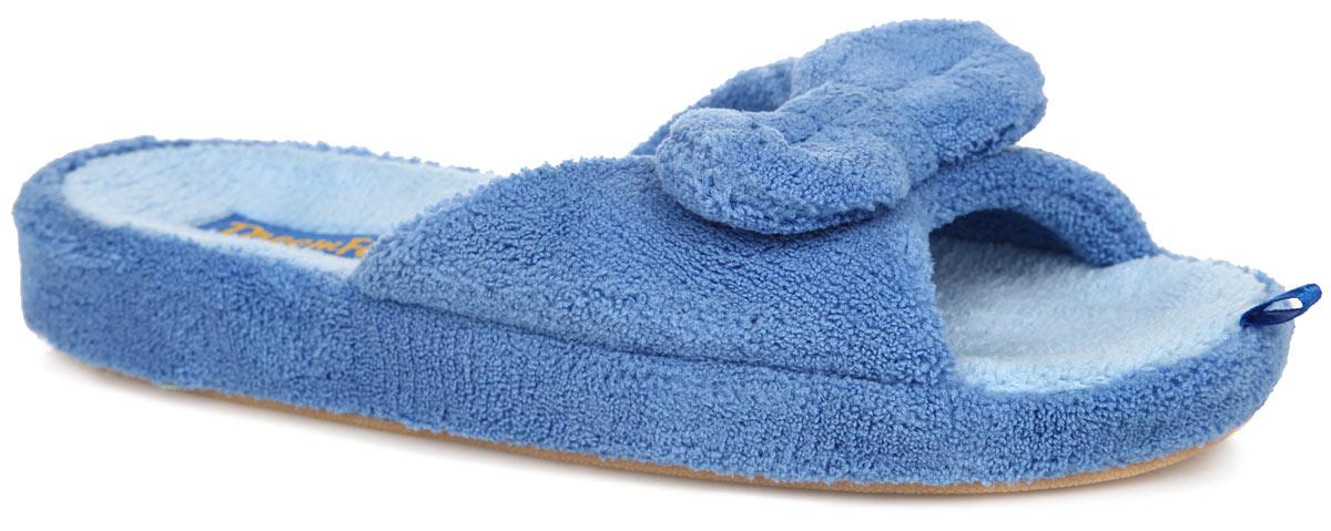 Тапки женские. SD-03SD-03/BLUEОчень комфортные женские тапки Dream Feet, выполненные из мягкого и приятного текстиля, помогут отдохнуть вашим ножкам после трудового дня. Внешняя сторона тапочек украшена текстильным бантиком. Подошва с рельефным протектором обеспечивает сцепление с любыми поверхностями. Необыкновенно легкие тапочки не теряют формы, а подошва не деформируется даже после стирки в машинке. Благодаря сочетанию испанской традиции производства и интересного дизайна тапочки Dream Feet позволят достичь ощущения абсолютного комфорта, и будут прекрасно смотреться с домашним халатом или мягким домашним костюмом.