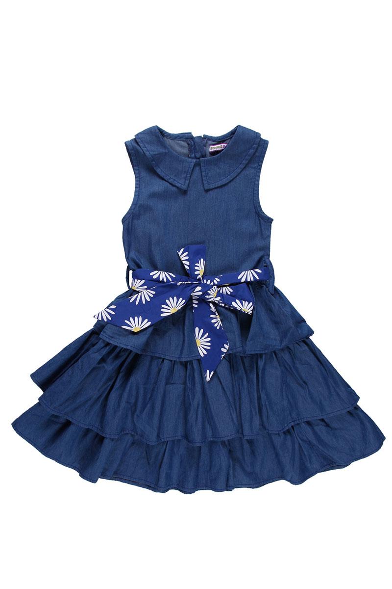 Платье для девочки. 195441195441Красивое платье для девочки Sweet Berry станет отличным дополнением к гардеробу вашей маленькой модницы. Изготовленное из натурального хлопка, оно мягкое и приятное на ощупь, не сковывает движения и позволяет коже дышать, обеспечивая наибольший комфорт. Платье с отложным воротничком застегивается сзади на молнию, что помогает при переодевании ребенка. На поясе предусмотрены шлевки для ремня. Модель украшена двойной оборкой, придающей изделию пышность. В таком платье маленькая принцесса всегда будет в центре внимания! В комплект входит текстильный поясок, оформленный ярким принтом с ромашками.