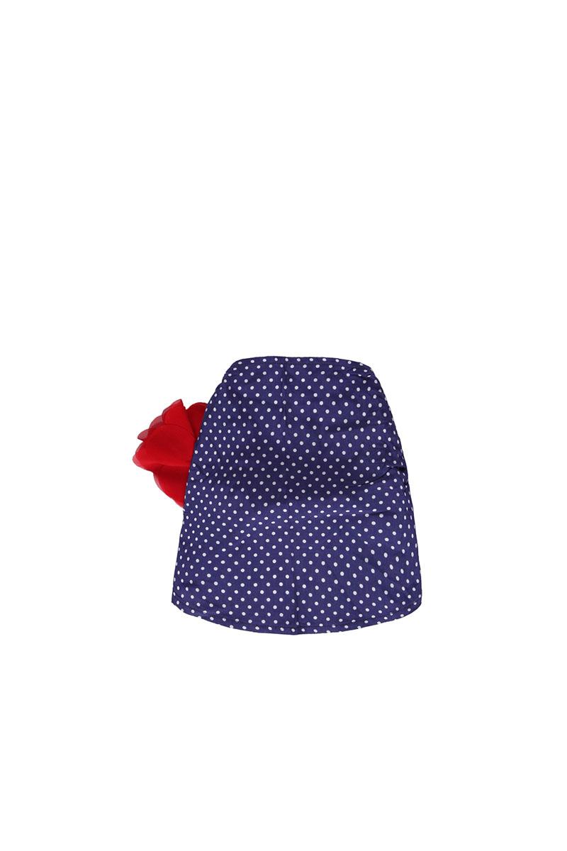 Косынка для девочки. 195245195245Летняя косынка для девочки Sweet Berry защитит голову вашей малышки от солнца. Изготовленная из эластичного хлопка, она необычайно мягкая и приятная на ощупь, не раздражает даже самую нежную и чувствительную кожу и хорошо вентилируется. Косынка дополнена эластичной резинкой, которая крепко фиксирует ее на голове малышки. Оформлена модель принтом в горох и украшена шифоновым цветком.