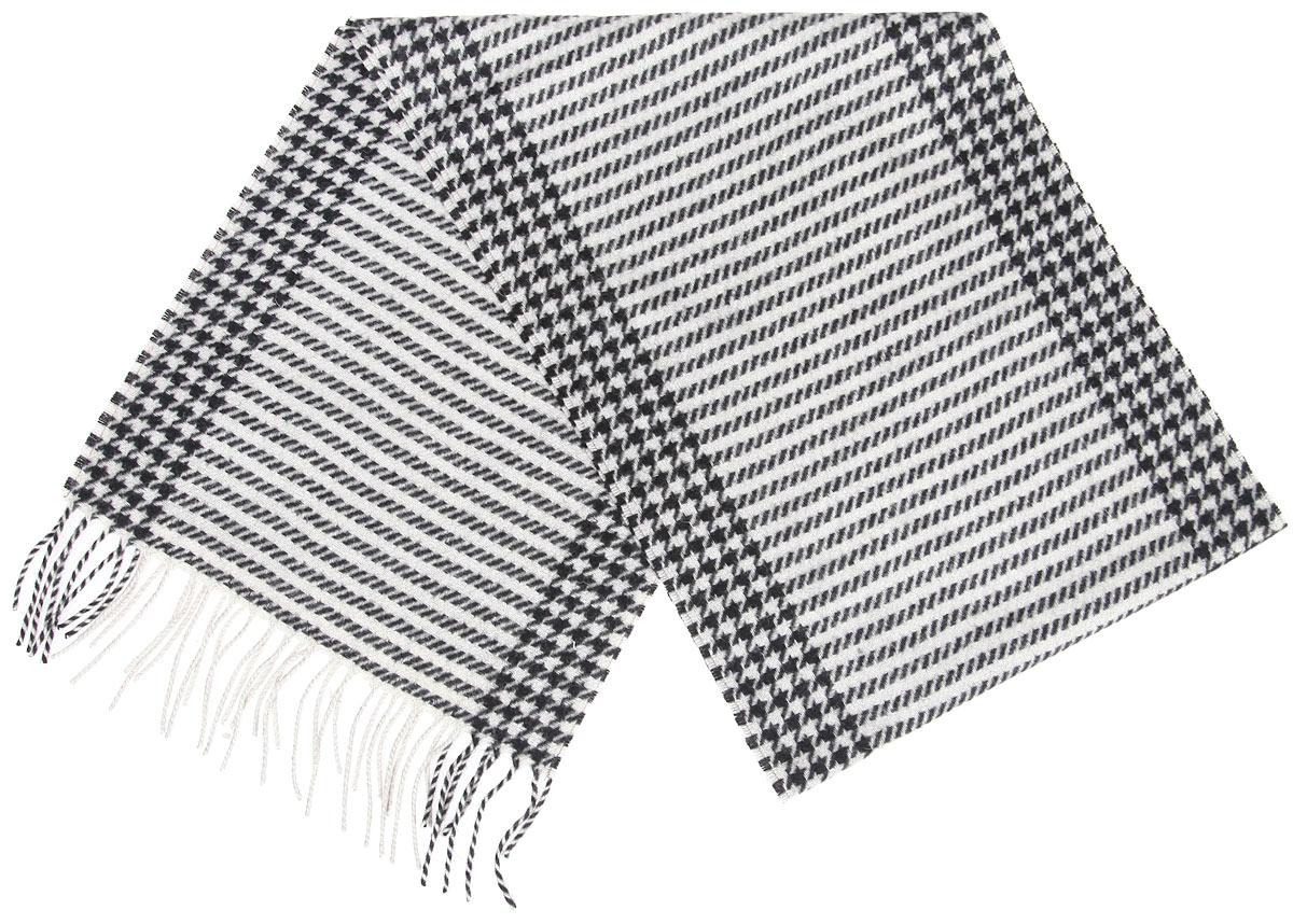 Шарф00050536Элегантный мужской шарф Flioraj согреет вас в холодное время года, а также станет изысканным аксессуаром, который призван подчеркнуть ваш стиль и индивидуальность. Теплый, мягкий, приятный на ощупь шарф не продувается и великолепно сохраняет тепло. Оригинальный и стильный шарф выполнен из высококачественной 100% мериносовой шерсти, оформлен мелкой контрастной клеткой и полосками, и украшен бахромой в виде жгутиков по краям. Такой шарф станет превосходным дополнением к любому наряду, защитит вас от ветра и холода и позволит вам создать свой неповторимый стиль
