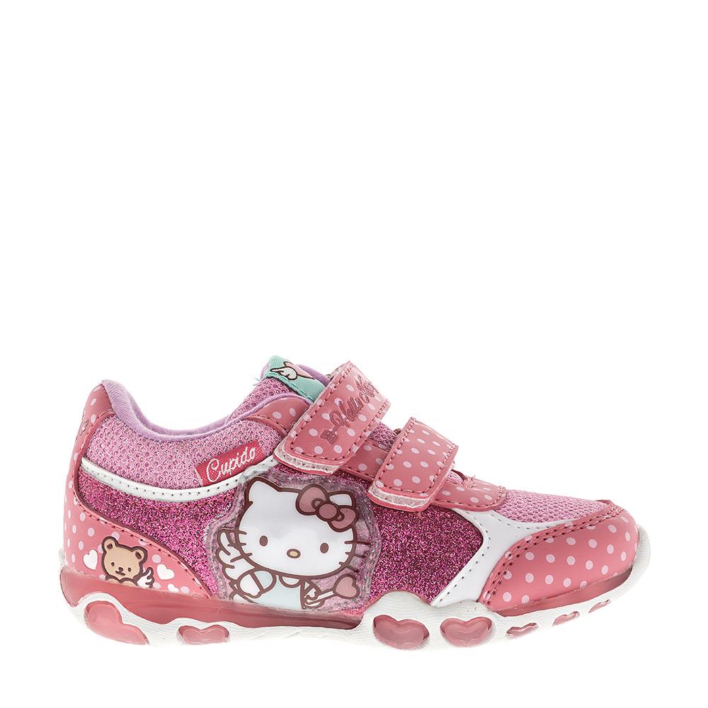 Кроссовки для девочки Hello Kitty. 5901A5901BПрелестные кроссовки Hello Kitty от Kakadu очаруют вашу малышку с первого взгляда! Они выполнены из синтетической кожи со вставками из дышащего текстиля. Модель дополнена нашивками с символикой Hello Kitty, а по бокам - блестками. Мыс, берцы, ремешки и задник оформлены принтом в горох. Ремешки на застежках-липучках, пропущенные через шлевки на подъеме, надежно зафиксируют модель на ножке ребенка. Подкладка выполнена из 100% гипоаллергенного хлопка - материала, который позволяет коже дышать и хорошо впитывает влагу. Мягкая стелька из EVA-материала с текстильной поверхностью комфортна при ходьбе. Гибкая нескользящая подошва с рифлением обеспечивает идеальное сцепление с любой поверхностью. При движении расположенная сбоку декоративная нашивка с изображением кошечки Китти начинает светиться, благодаря чему ваш ребенок будет на виду даже в темное время суток. Эффектные кроссовки приведут в восторг вашу маленькую модницу!