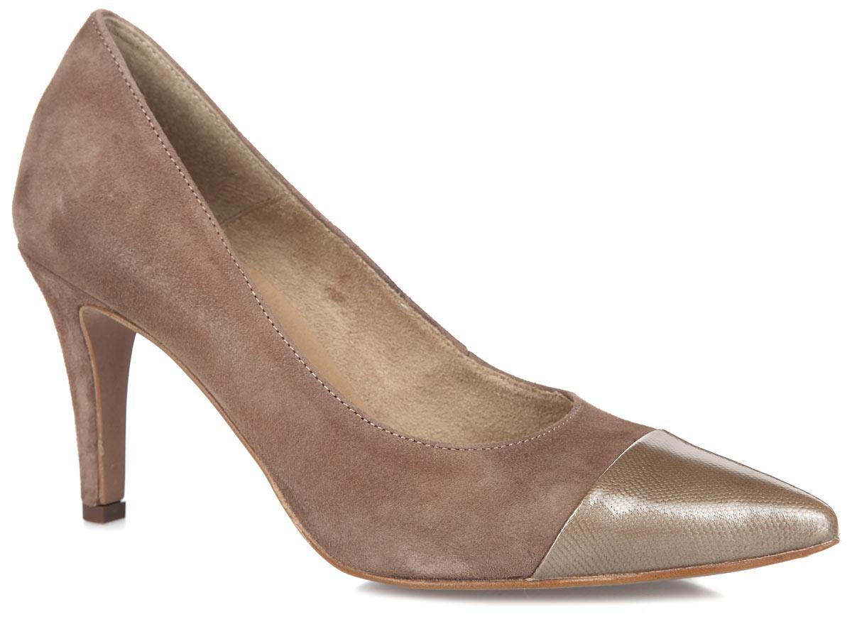 Туфли женские. 1-1-22427-26-3181-1-22427-26-318Модные женские туфли от Tamaris очаруют вас с первого взгляда. Модель выполнена из натуральной замши. Мыс туфель оформлен вставкой из натуральной кожи. Острый носок добавляет женственности в образ. Подкладка из текстиля и стелька из искусственной кожи обеспечивают комфорт при движении. Каблук умеренной высоты устойчив. Подошва обеспечивает отличное сцепление на любой поверхности. Роскошные туфли помогут вам создать элегантный образ.