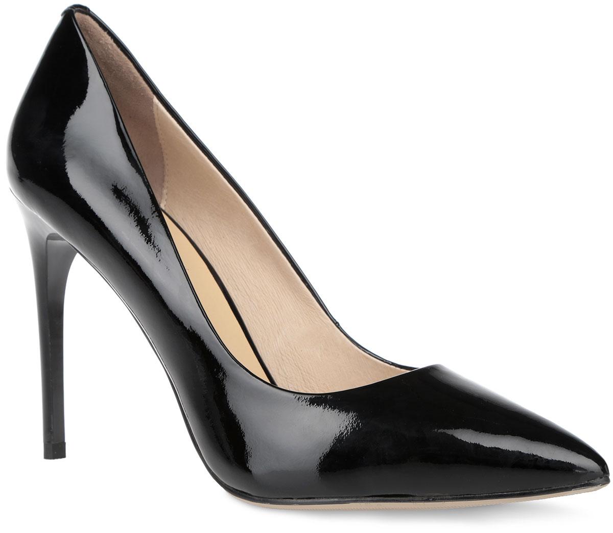 Туфли женские. 732073200Элегантные и лаконичные туфли от Vitacci не оставят вас незамеченной! Модель выполнена из натуральной лакированной кожи. Заостренный носок смотрится невероятно женственно. Стелька из натуральной кожи с названием бренда комфортна при ходьбе. Высокий каблук устойчив. Рифленая поверхность каблука и подошвы гарантирует отличное сцепление с любыми поверхностями. Стильные туфли - незаменимая вещь в гардеробе настоящей модницы! Они подчеркнут ваш стиль и индивидуальность.