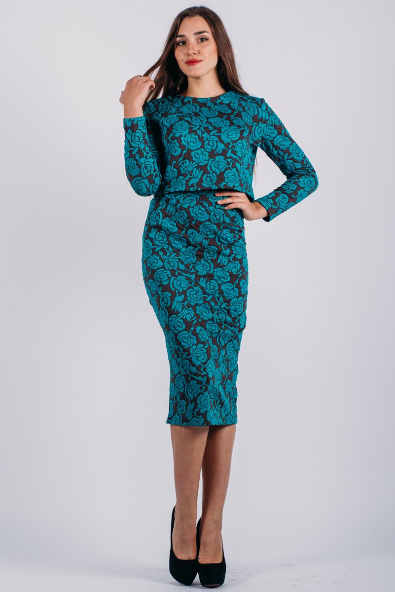 Комплект одеждык507Стильный женский комплект Lautus, состоящий из жакета и юбки, станет отличным дополнением к вашему гардеробу. Элегантный жакет с круглым вырезом горловины и длинными рукавами застегивается по спинке на крупные декоративные пуговицы. Облегающая юбка-карандаш, дополненная вырезом, отлично подчеркнет достоинства вашей фигуры. Юбка застегивается сзади на потайную застежку- молнию и на пуговицу. В таком наряде вы, безусловно, привлечете восхищенные взгляды окружающих.
