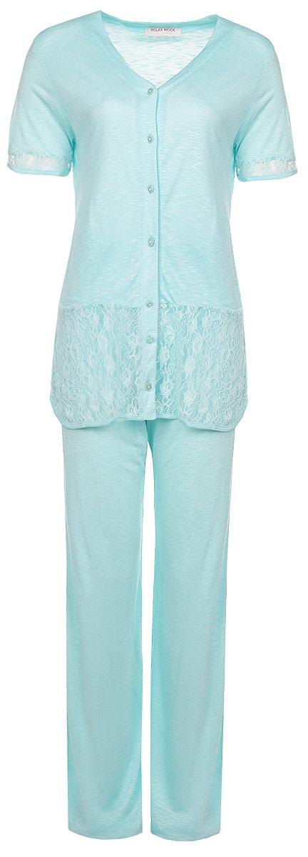 Комплект женский: футболка, брюки. 1014610146Комплект домашней женской одежды Relax Mode, состоящий из футболки на пуговицах и брюк, станет отличным дополнением к вашему гардеробу. Выполненный из качественной вискозы, комплект мягкий и приятный на ощупь, не сковывает движения и позволяет коже дышать, обеспечивая наибольший комфорт. Стильная футболка с короткими рукавами и круглым вырезом горловины спереди застегивается на пластиковые пуговицы по всей длине. Манжеты и низ изделия декорированы вставками из полупрозрачного кружевного материала. Брюки прямого кроя с эластичной резинкой на поясе. Стильный комплект одежды подарит вам удобство и комфорт, подчеркнет вашу индивидуальность.