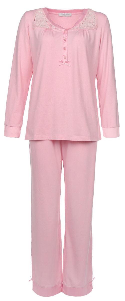 Пижама женская. 1028810288Очаровательная женская пижама Relax Mode включает в себя джемпер и брюки. Изготовленная из высококачественной эластичной вискозы, пижама приятная на ощупь, не сковывает движения и позволяет коже дышать, обеспечивая комфорт. Джемпер с V-образным вырезом горловины и длинными рукавами спереди застегивается на четыре декоративные пуговицы. Изделие декорировано кружевными вставками и атласным бантиком. Брюки свободного кроя дополнены на поясе эластичной резинкой. По бокам изделие дополнено двумя втачными карманами с косыми срезами. . В такой пижаме вам будет максимально комфортно и уютно.
