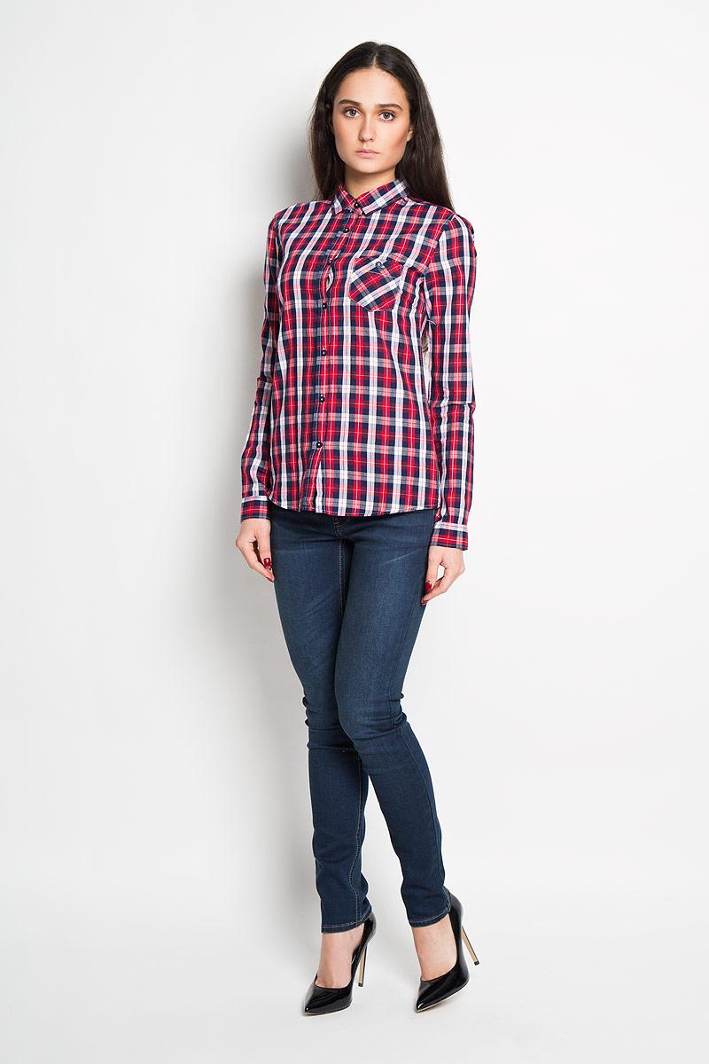 РубашкаTKL0240CEСтильная женская рубашка Troll, выполненная из 100% хлопка, подчеркнет ваш уникальный стиль и поможет создать оригинальный женственный образ. Рубашка с длинными рукавами и отложным воротником застегивается на пуговицы спереди. Модель украшена принтом в клетку и дополнена накладным нагрудным карманом. Манжеты рукавов также застегиваются на пуговицы. Такая рубашка будет дарить вам комфорт в течение всего дня и послужит замечательным дополнением к вашему гардеробу.