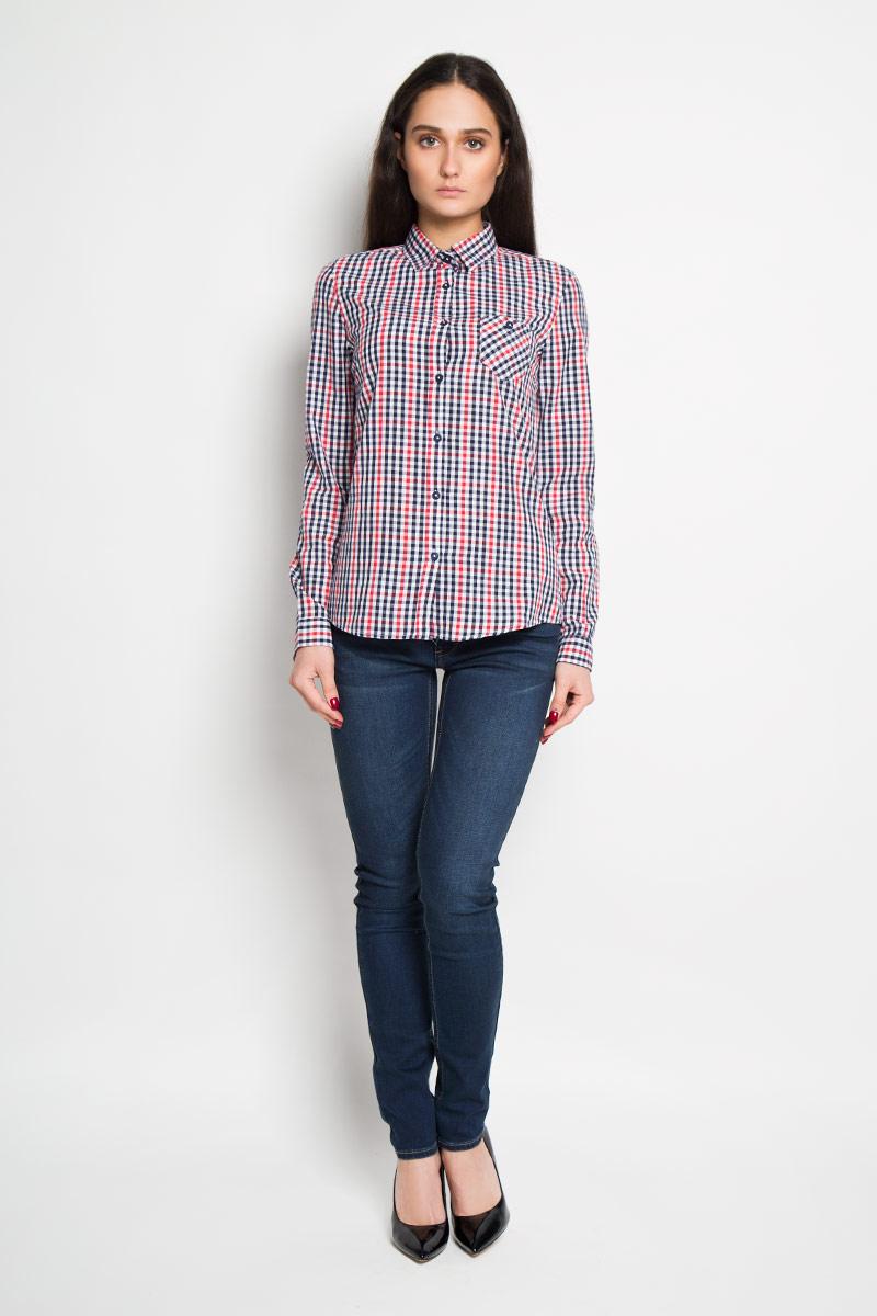 РубашкаTKL0241CEСтильная женская рубашка Troll, выполненная из 100% хлопка, подчеркнет ваш уникальный стиль и поможет создать оригинальный женственный образ. Рубашка с длинными рукавами и отложным воротником застегивается на пуговицы спереди. Модель украшена принтом в мелкую клетку и дополнена накладным нагрудным карманом. Манжеты рукавов также застегиваются на пуговицы. Оригинальная рубашка в стиле casual будет великолепно сочетаться с джинсами и брюками. Такая рубашка будет дарить вам комфорт в течение всего дня и послужит замечательным дополнением к вашему гардеробу.