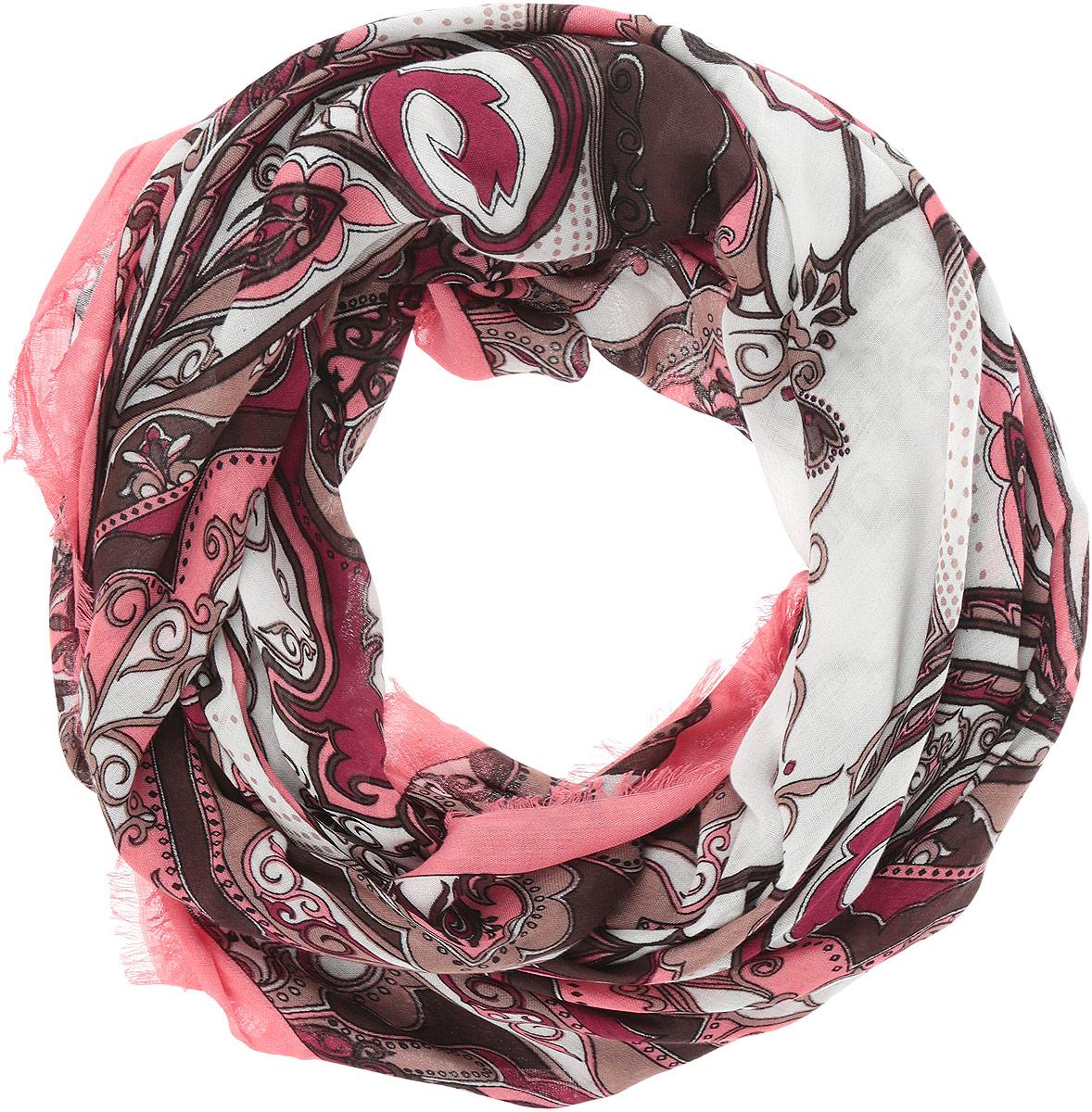 ПлатокDS2015-004-11Стильный женский платок Fabretti станет великолепным завершением любого наряда. Платок изготовлен из высококачественного модала с добавлением вискозы, оформлен сложным растительным орнаментом и украшен тонкой бахромой по краям. Классическая квадратная форма позволяет носить платок на шее, украшать им прическу или декорировать сумочку. Мягкий и шелковистый платок поможет вам создать изысканный женственный образ, а также согреет в непогоду. Такой платок превосходно дополнит любой наряд и подчеркнет ваш неповторимый вкус и элегантность.
