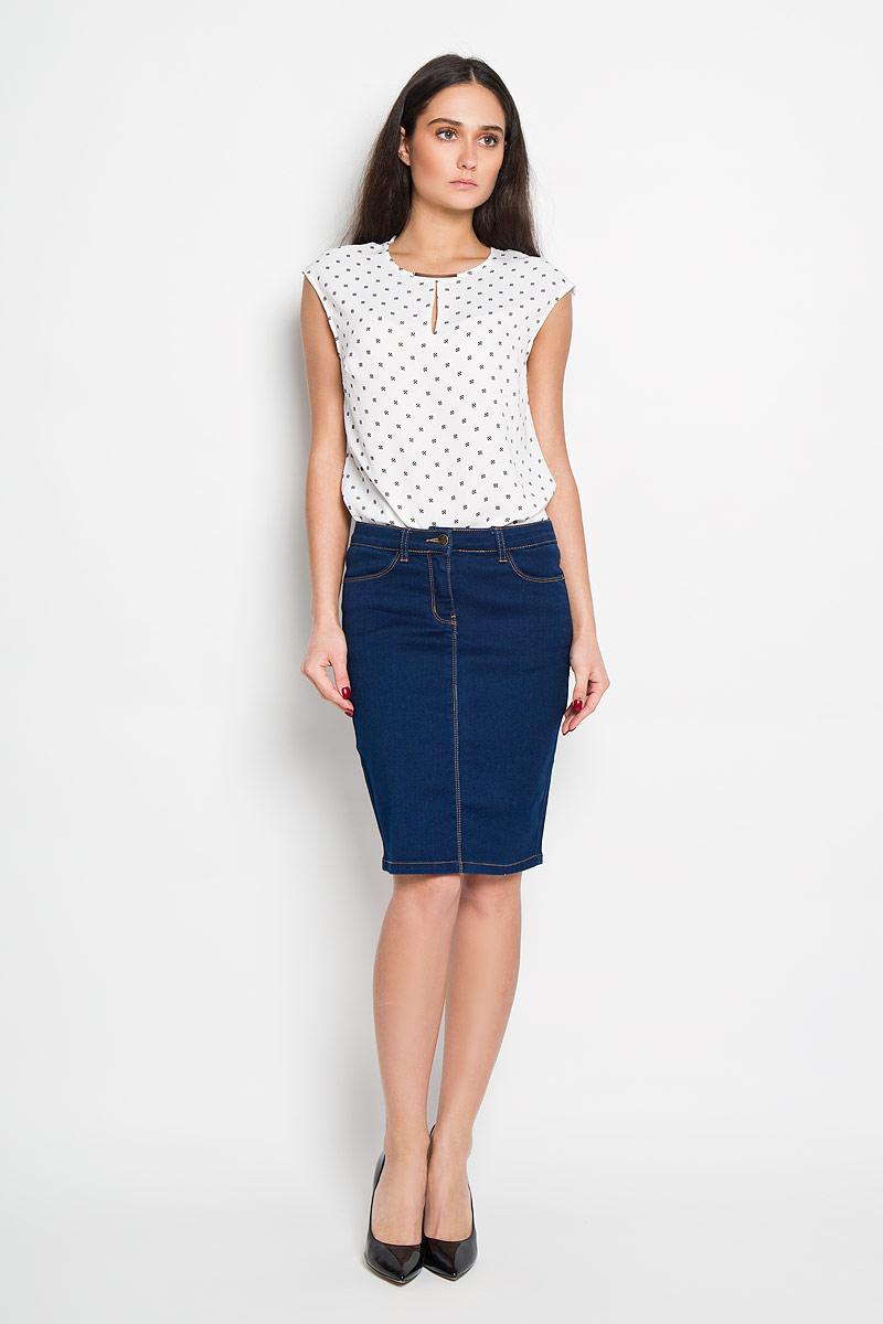 ЮбкаSKJ-138/477-6142Стильная юбка Sela, выполненная из высококачественного комбинированного материала, подчеркнет вашу женственность и неповторимый стиль. Классическая джинсовая юбка застегивается спереди на пуговицу в поясе и ширинку на молнии, имеются шлевки для ремня. Изделие оформлено контрастной отстрочкой. Спереди модель дополнена двумя втачными карманами, сзади - двумя накладными карманами. Модная юбка-миди выгодно освежит и разнообразит ваш гардероб. Создайте женственный образ и подчеркните свою яркую индивидуальность!