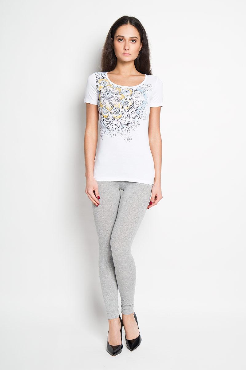ФутболкаB16-12055Стильная женская футболка Finn Flare, выполненная из высококачественной эластичной вискозы, обладает высокой теплопроводностью, воздухопроницаемостью и гигроскопичностью, позволяет коже дышать. Модель с короткими рукавами и круглым вырезом - идеальный вариант для создания образа в стиле Casual. Футболка оформлена принтом с изображением оригинального цветочного узора. Такая модель подарит вам комфорт в течение всего дня и послужит замечательным дополнением к вашему гардеробу.