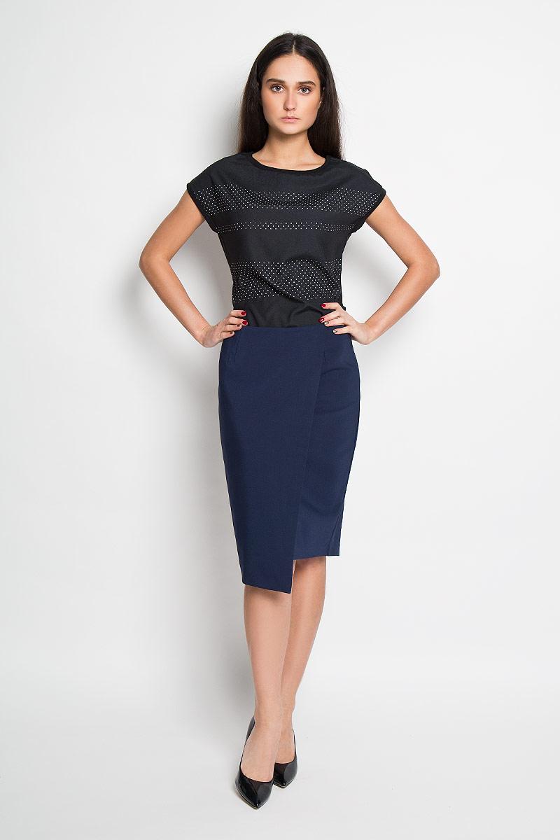 ЮбкаSSD0904GRЭффектная юбка Top Secret выполнена из высококачественного комбинированного материала, она обеспечит вам комфорт и удобство при носке. Юбка застегивается на молнию сзади, дополнена подъюбником и украшена вставкой, имитирующей запах. Модная юбка-миди выгодно освежит и разнообразит ваш гардероб. Создайте женственный образ и подчеркните свою яркую индивидуальность! Классический фасон и оригинальное оформление этой юбки сделают ваш образ непревзойденным.