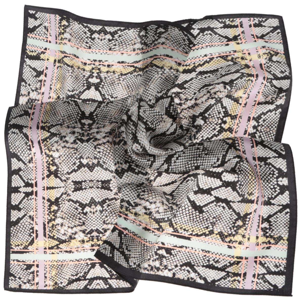 Платок женский. CX1516-67CX1516-67-19Стильный женский платок Fabretti станет великолепным завершением любого наряда. Платок изготовлен из высококачественного 100% шелка и оформлен оригинальным принтом в виде змеиной чешуи. Классическая квадратная форма позволяет носить платок на шее, украшать им прическу или декорировать сумочку. Мягкий и шелковистый платок поможет вам создать изысканный женственный образ, а также согреет в непогоду. Такой платок превосходно дополнит любой наряд и подчеркнет ваш неповторимый вкус и элегантность.