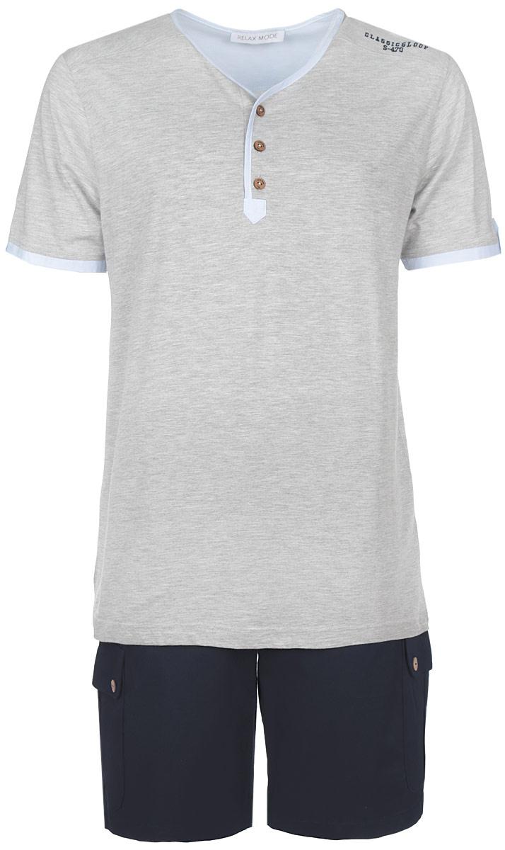 Комплект мужской: футболка, шорты. 3515335153Комплект мужской одежды Relax Mode, состоящий из футболки и шорт, станет отличным дополнением к вашему гардеробу. Футболка выполнена из хлопка в сочетании с модалом, шорты изготовлены из эластичного хлопка. Комплект мягкий и приятный на ощупь, не сковывает движения и позволяет коже дышать, обеспечивая комфорт. Футболка с V-образным вырезом горловины и короткими рукавами застегивается сверху на три пуговицы. Модель украшена спереди небольшой вышитой надписью. Шорты с эластичной резинкой на талии застегиваются на пуговицы и имеют ширинку на застежке-молнии, а также шлевки для ремня. Спереди расположены два втачных кармана, сзади - один прорезной, по бокам предусмотрены два накладных кармана с клапанами на пуговицах. Стильный комплект одежды подарит вам удобство и комфорт, подчеркнет вашу индивидуальность.