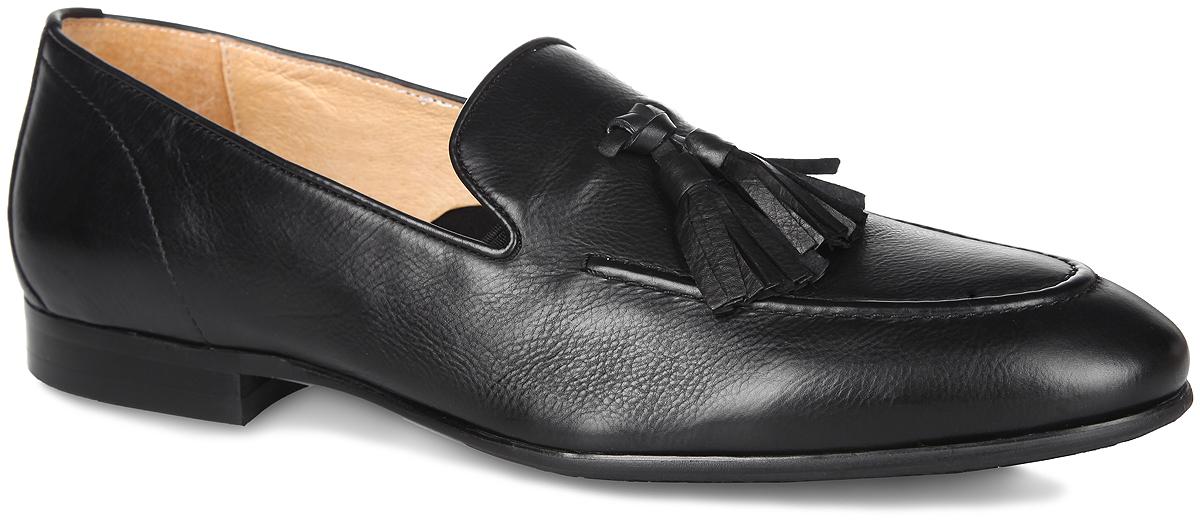 Туфли мужские. M21412M21412Изысканные туфли Vitacci - незаменимая вещь в гардеробе каждого мужчины. Модель, выполненная из натуральной высококачественной кожи, оформлена на мыске декоративным швом и кисточками. Резинки, расположенные по бокам, гарантируют оптимальную посадку модели на ноге. Внутренняя поверхность из текстиля и натуральной кожи, и стелька из натуральной кожи комфортны при движении. Умеренной высоты каблук и подошва с рифлением обеспечивают отличное сцепление с поверхностью. Элегантные туфли станут прекрасным завершением вашего модного образа.