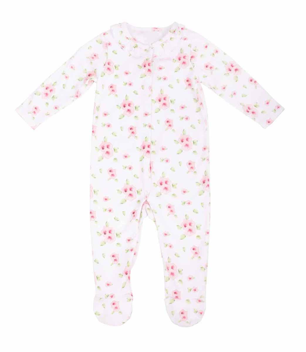Комбинезон для девочки. 116 GB GC 5 303116 GB GC 5 303Детский комбинезон Gulliver Baby - очень удобный и практичный вид одежды для малышей. Комбинезон выполнен из натурального хлопка, благодаря чему он необычайно мягкий и приятный на ощупь, не раздражает нежную кожу ребенка и хорошо вентилируется, а эластичные швы приятны телу малыша и не препятствуют его движениям. Комбинезон с длинными рукавами и закрытыми ножками застегивается на застежки-кнопки от горловины до щиколотки, что помогает легко переодеть младенца или сменить подгузник. Горловина дополнена рюшей. Оформлена модель приятным цветочным по всей поверхности, а также небольшой нашивкой на грудке с логотипом фирмы. С этим детским комбинезоном спинка и ножки вашего малыша всегда будут в тепле, он идеален для использования днем и незаменим ночью. Комбинезон полностью соответствует особенностям жизни младенца в ранний период, не стесняя и не ограничивая его в движениях!