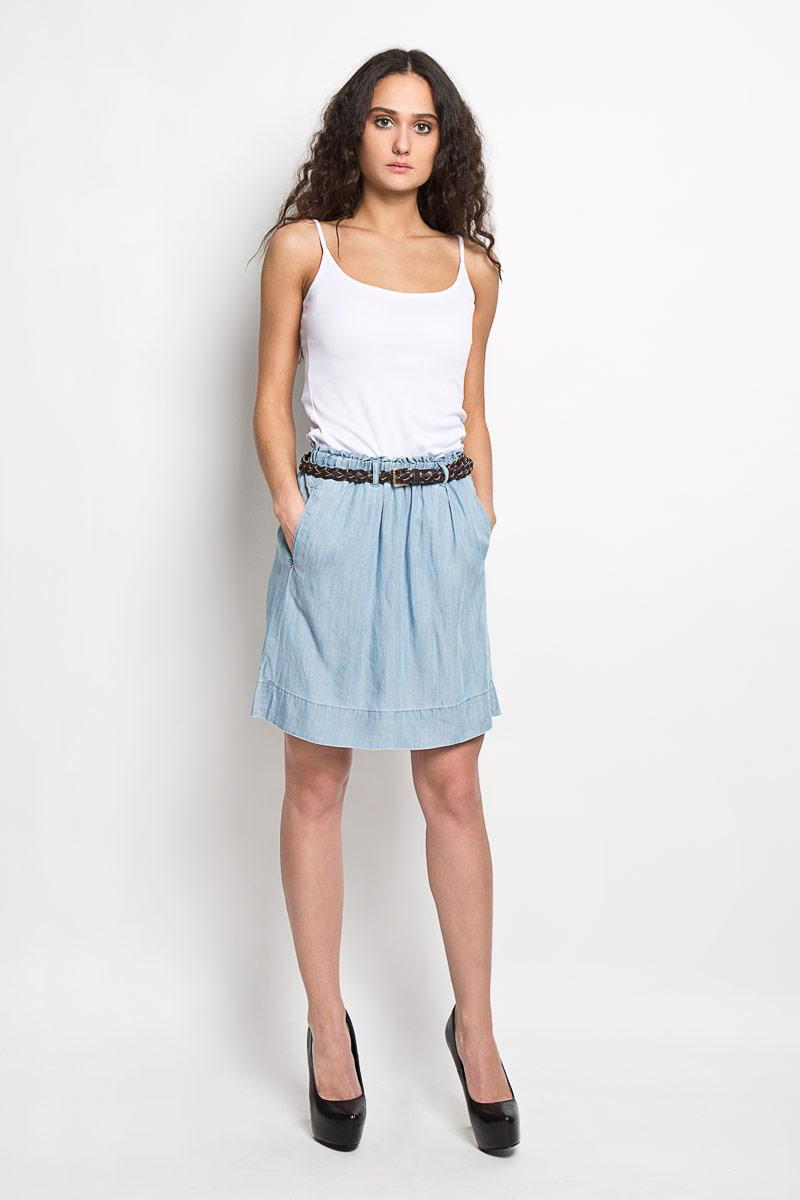 ЮбкаB475027Эффектная юбка Baon выполнена из высококачественной вискозы, она обеспечит вам комфорт и удобство при носке. Юбка-миди имеет широкую эластичную резинку на поясе. Модель дополнена двумя втачными карманами спереди, на поясе имеются шлевки для ремня. В комплект входит плетеный ремень с металлической пряжкой, который органично дополняет юбку. Модная юбка-миди выгодно освежит и разнообразит ваш гардероб. Создайте женственный образ и подчеркните свою яркую индивидуальность! Классический фасон и оригинальное оформление этой юбки сделают ваш образ непревзойденным.