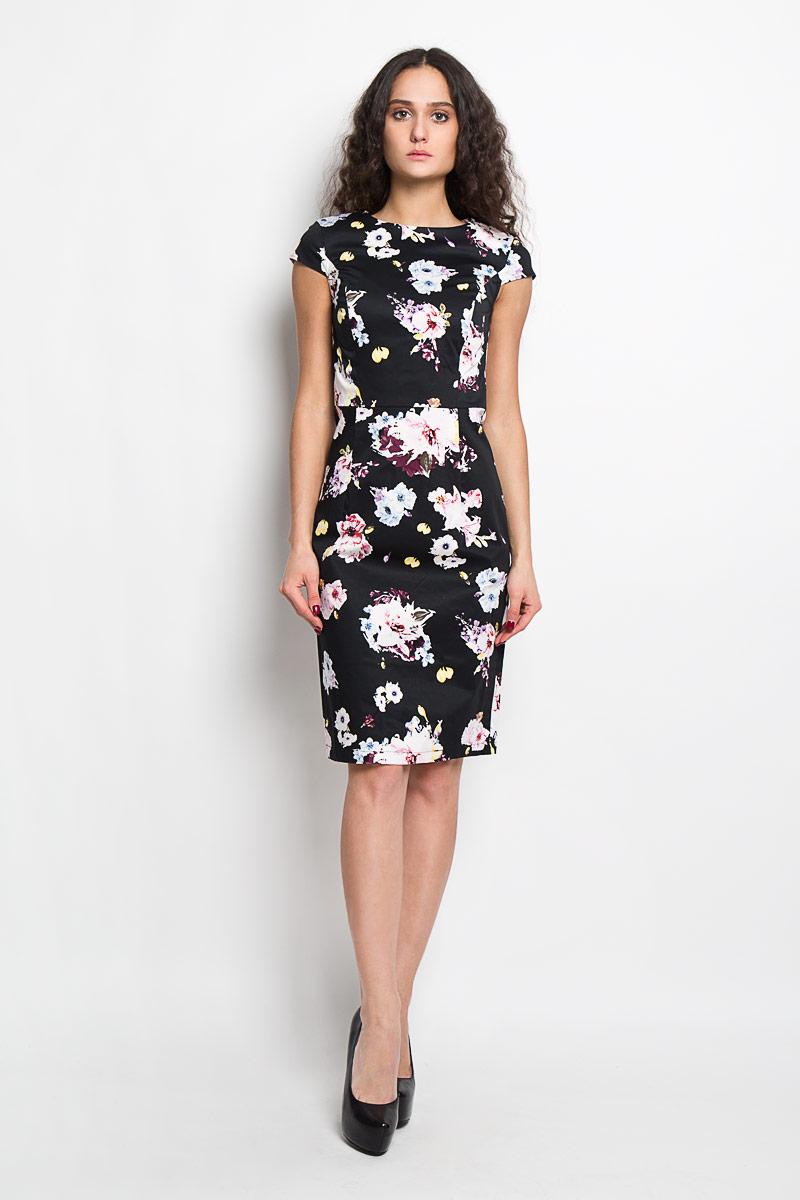 Платье. B456061B456061Элегантное платье Baon выполнено из высококачественного эластичного хлопка. Такое платье обеспечит вам комфорт и удобство при носке. Модель с короткими рукавами-крылышками и круглым вырезом горловины выгодно подчеркнет все достоинства вашей фигуры. Платье застегивается на застежку-молнию сзади. Изделие оформлено красочным цветочным принтом и дополнено декоративными складками на юбке сзади. Изысканное платье-миди создаст обворожительный и неповторимый образ. Это модное и удобное платье станет превосходным дополнением к вашему гардеробу, оно подарит вам удобство и поможет вам подчеркнуть свой вкус и неповторимый стиль.