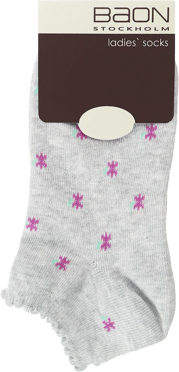 Носки женские. B396013B396013_SILVER MELANGEЖенские носки Baon, выполненные из хлопка и полиэстера, очень мягкие и приятные на ощупь, позволяют коже дышать, обеспечивая комфорт. Модель с укороченной кружевной манжетой выполнена с усиленной пяткой и мыском, что обеспечивает ее прочность и износостойкость. Резинка плотно облегает ногу, не сдавливая ее, благодаря чему вам будет комфортно и удобно. Изделие оформлено оригинальным принтом.