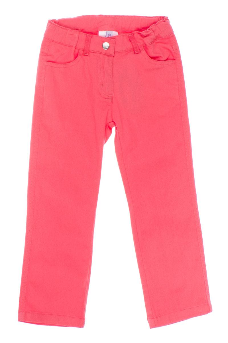 Брюки для девочки. 162102162102Удобные брюки для девочки PlayToday идеально подойдут вашей маленькой моднице. Изготовленные из эластичного хлопка, они мягкие и приятные на ощупь, не сковывают движения, сохраняют тепло и позволяют коже дышать, обеспечивая наибольший комфорт. Брюки застегиваются на пуговицу на поясе, также имеется ширинка на застежке-молнии и шлевки для ремня. Объем пояса регулируется при помощи эластичной резинки с пуговицей изнутри. Спереди модель дополнена двумя втачными карманами, а сзади - двумя накладными карманами. Практичные и стильные брюки идеально подойдут вашей малышке, а модная расцветка и высококачественный материал позволят ей комфортно чувствовать себя в течение дня!