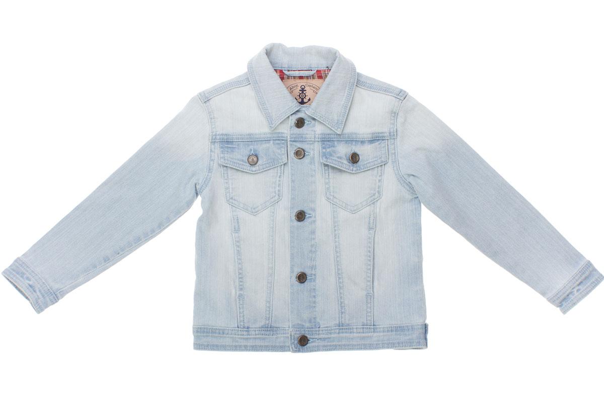 Куртка для мальчика. 161102 - PlayToday161102Джинсовая куртка для мальчика PlayToday идеально подойдет юному моднику. Изготовленная из эластичного хлопка с добавлением вискозы, она приятная на ощупь, не сковывает движения и позволяет коже дышать, обеспечивая наибольший комфорт. Модель с отложным воротником и длинными рукавами застегивается на металлические пуговицы с изображением якоря и надписью с названием бренда. Изделие дополнено двумя накладными кармашками с клапанами на пуговицах и двумя втачными карманами. Манжеты на рукавах также застегиваются на пуговицы. Современный дизайн и модная расцветка делают эту куртку стильным предметом детского гардероба. В ней ребенок всегда будет в центре внимания!