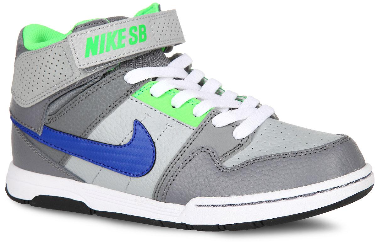 Кроссовки645025-044Стильные кроссовки Mogan Mid 2 Jr B от Nike подходят для занятий в зале или для катания на скейтборде. Модель, выполненная из натуральной и искусственной кожи, дополнена вставками из текстиля. Кроссовки оформлены перфорацией, по бокам - логотипом бренда, на язычке и на ремешке - названием бренда. Классическая шнуровка и ремешок с застежкой-липучкой надежно фиксирует модель на ноге. Подкладка из текстиля и стелька из EVA с текстильной поверхностью комфортны при движении. Легкая вставка Phylon в подошве гарантирует отличную амортизацию. Резиновая подошва с протектором обеспечивает сцепление с любым покрытием. Стильные кроссовки займут достойное место в гардеробе вашего ребенка.