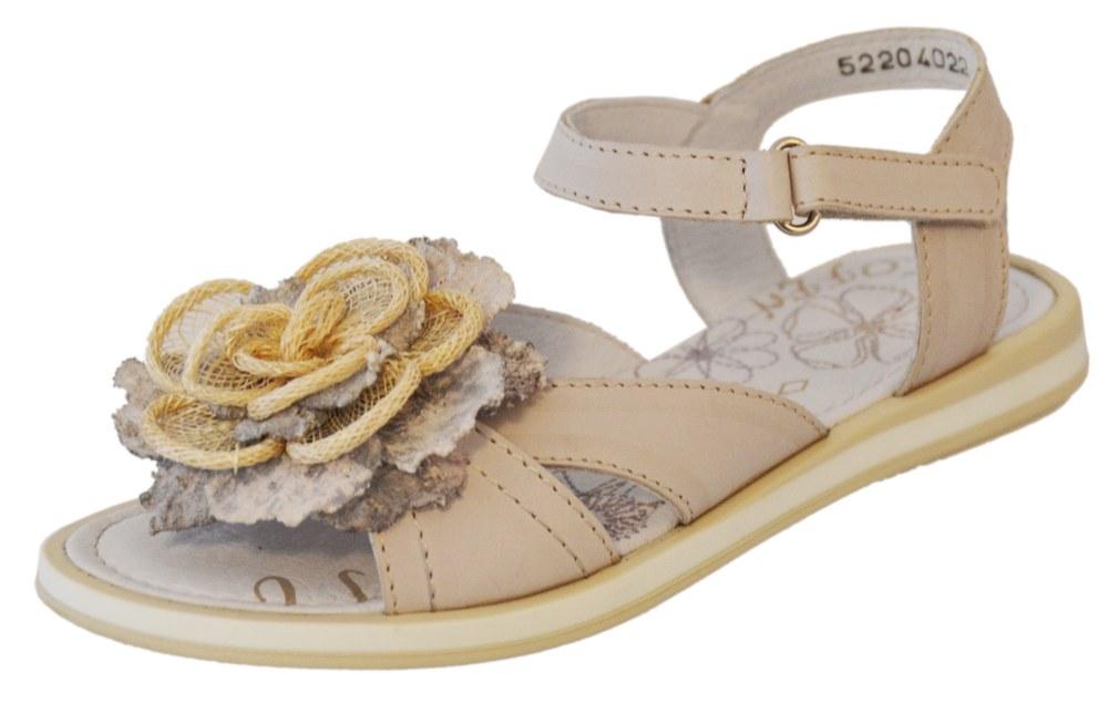 Сандалии для девочки. 522040-22522040-22Удобные, максимально открытые сандали для девочки выполнены из натуральной кожи.Потрясающая легкость, уравновешенная графика деталей, интересные цвета подаряю юным модницам истинно летние ощущения тепла, света и радости.