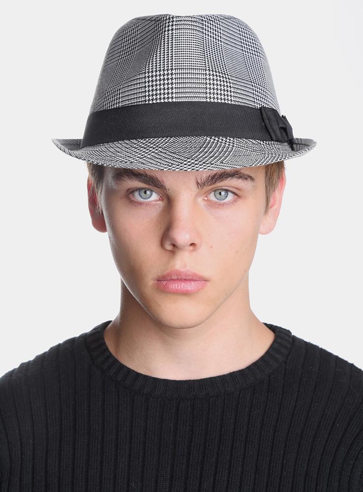 Шляпа мужская Dude3433097Элегантная шляпа Canoe Dude, выполненная из полиэстера, дополнит любой образ. Шляпа оформлена текстильной лентой с бантом вокруг тульи и декоративным элементом с логотипом Canoe. Аккуратные поля шляпы придадут вашему образу таинственности и шарма. Такая шляпа подчеркнет вашу неповторимость и прекрасный вкус.